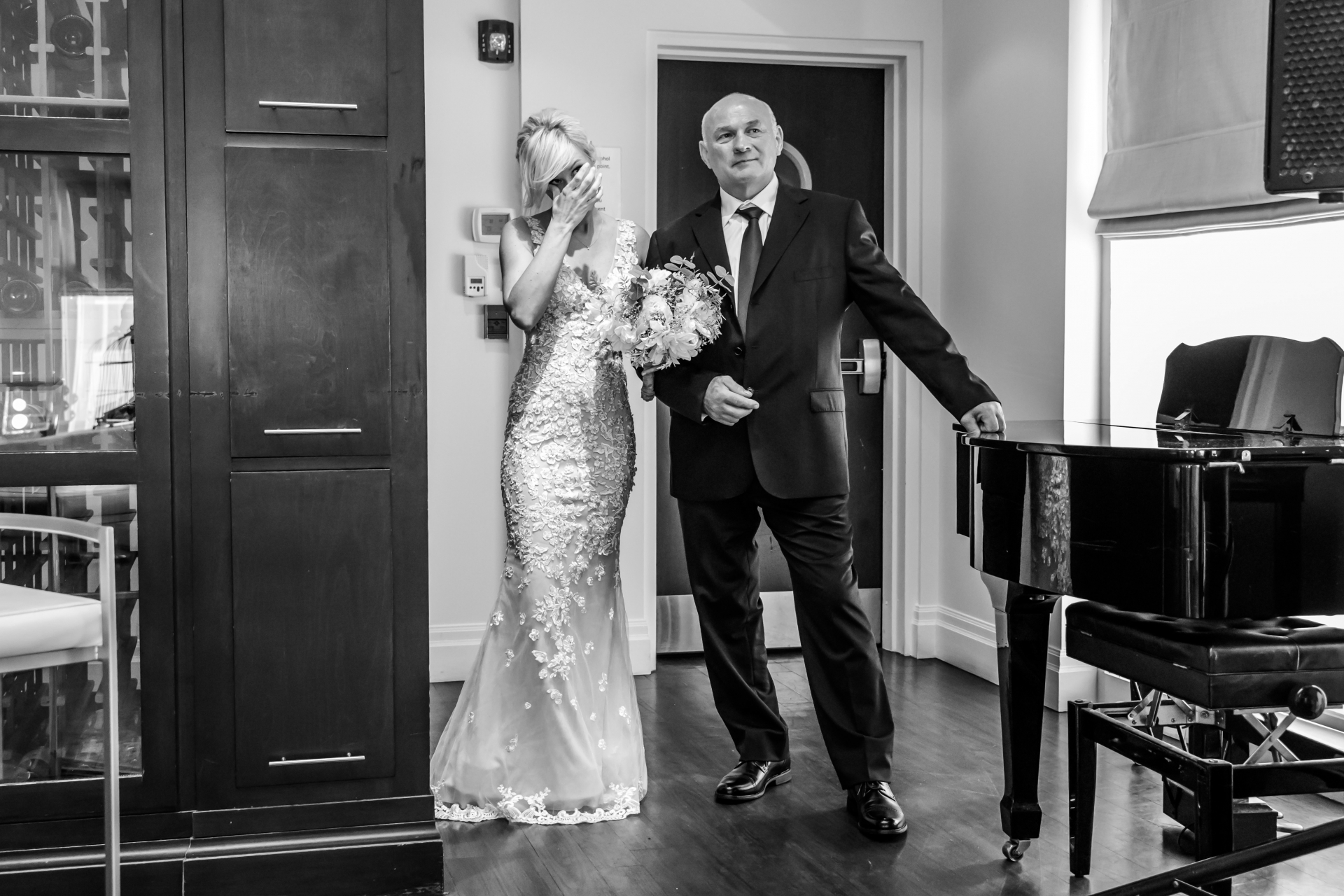 Elopement Ceremony Image from Toronto, Canada | The bride with her dad waiting to start the walk to the aisle