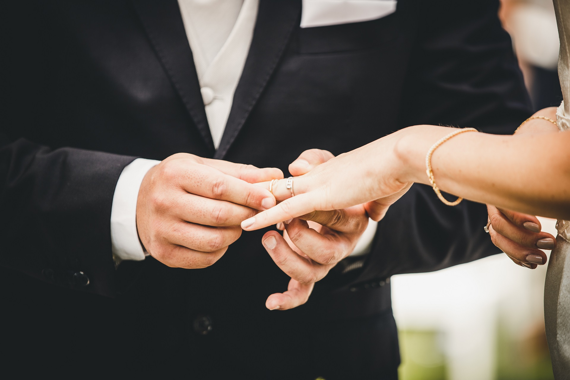 Trebaseleghe, Padua, Italy Outdoor Elopement Ceremony Detail Image | Finally, the bride and groom get to exchange rings