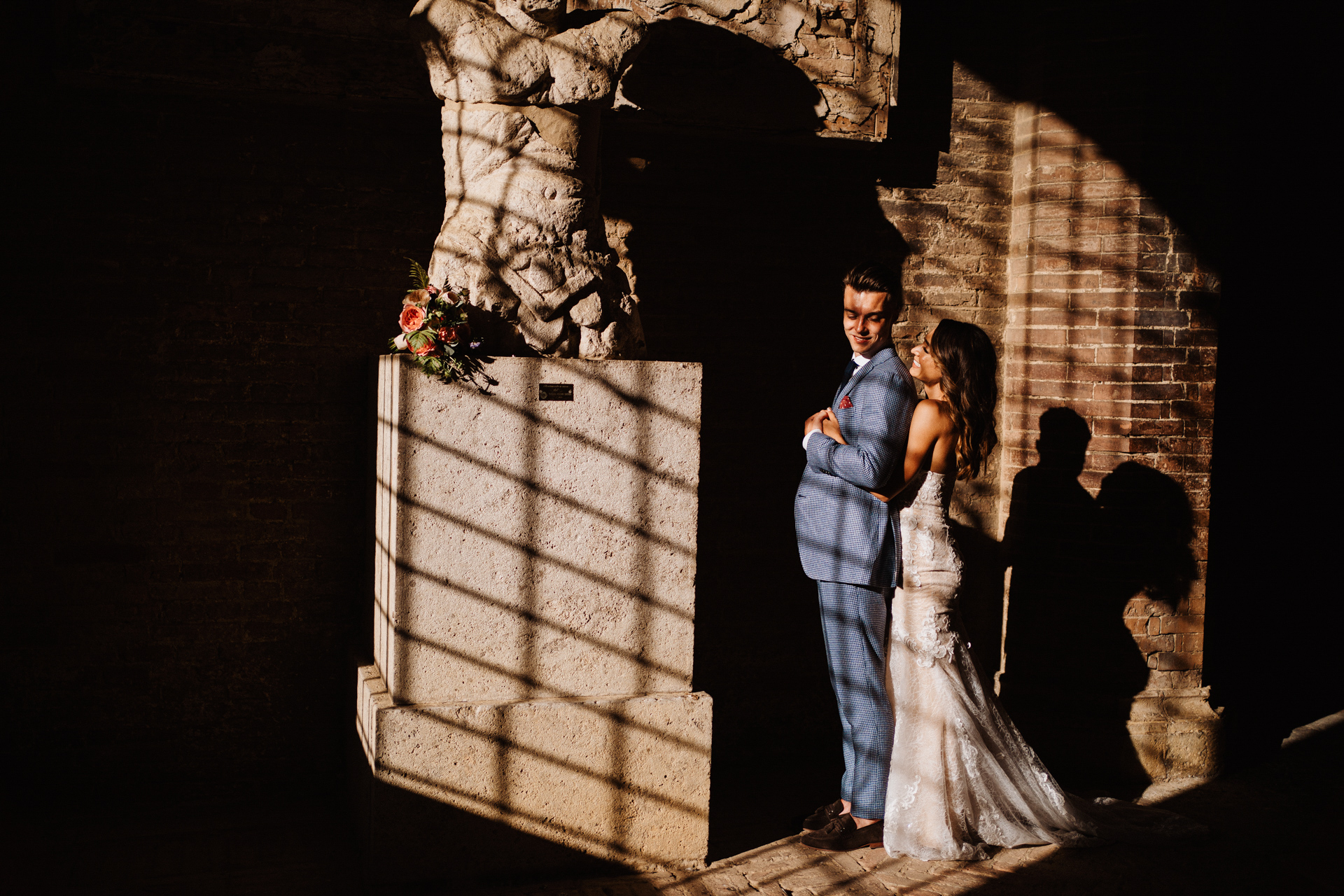 Piazza del Campo, Siena, Tuscany, Italy Elopement Couple Portraits | in the lights and shadows of the public palace
