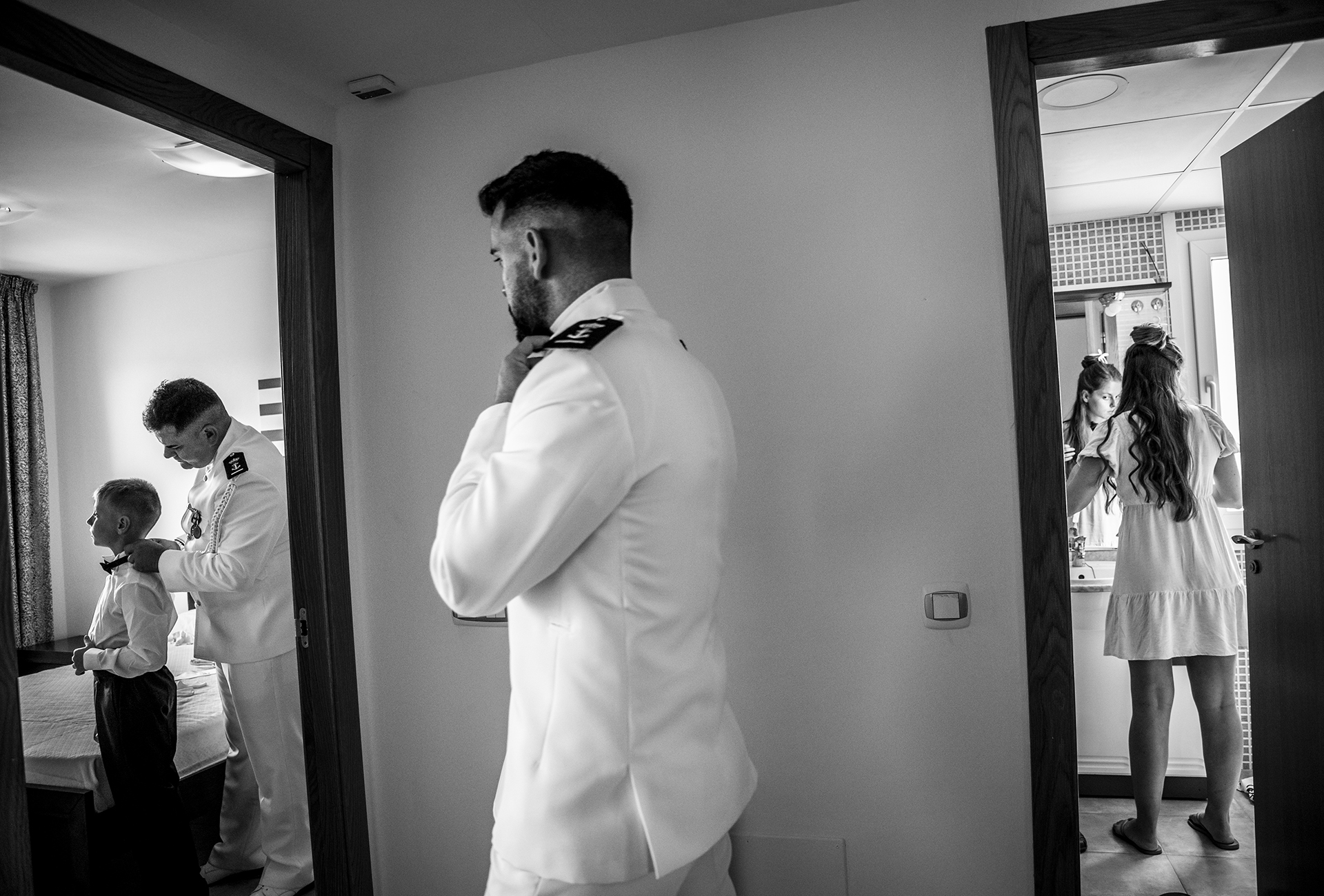 Aguilas wedding preparations photos | The groom spent the moments leading up to the wedding getting ready