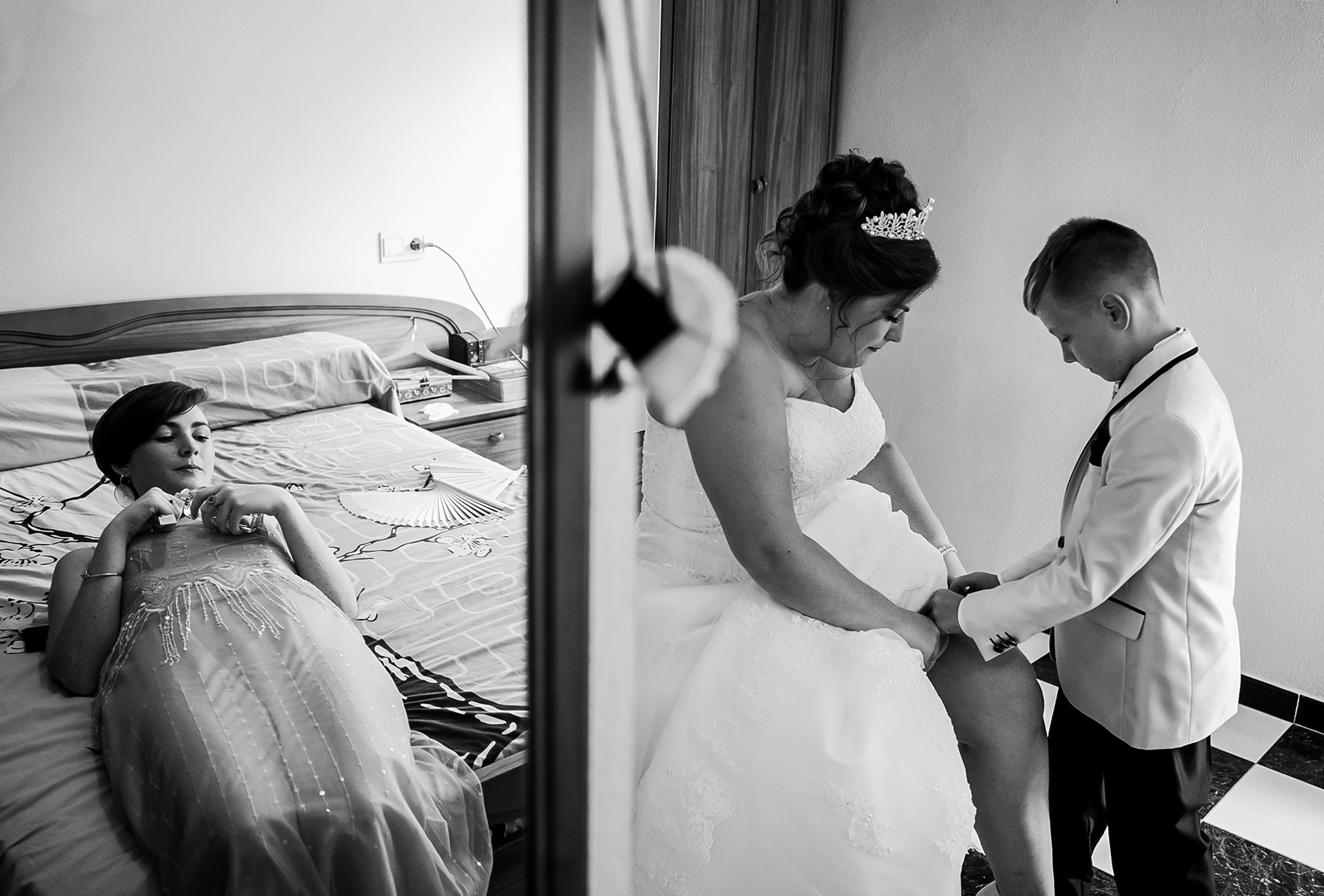 Aguilas small wedding preparation picture | The bride's son helped put the finishing touches