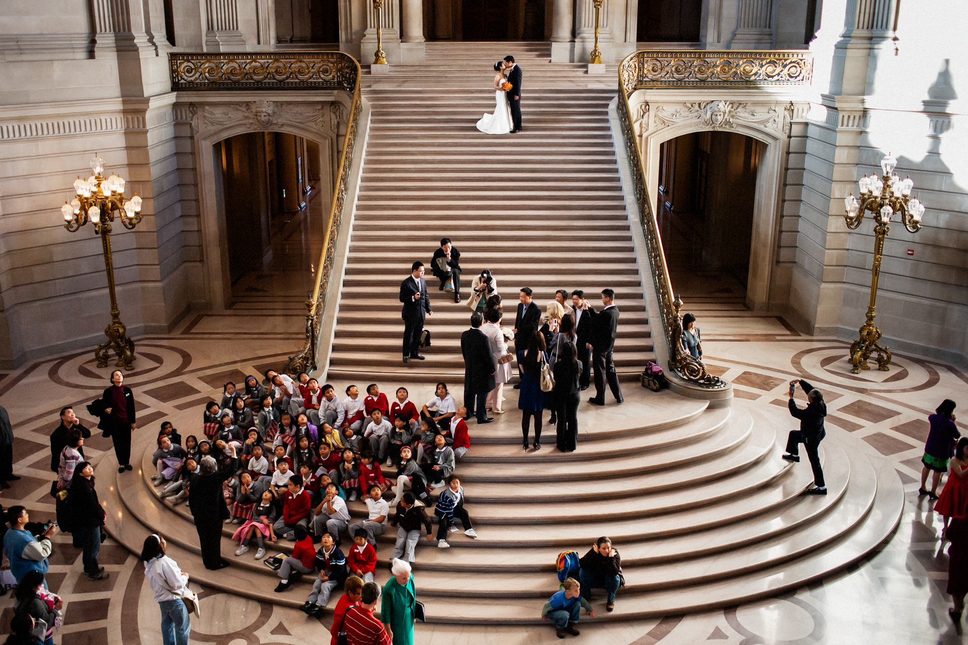 Photos of San Francisco City Hall elopement | a busy day with lots of tourists