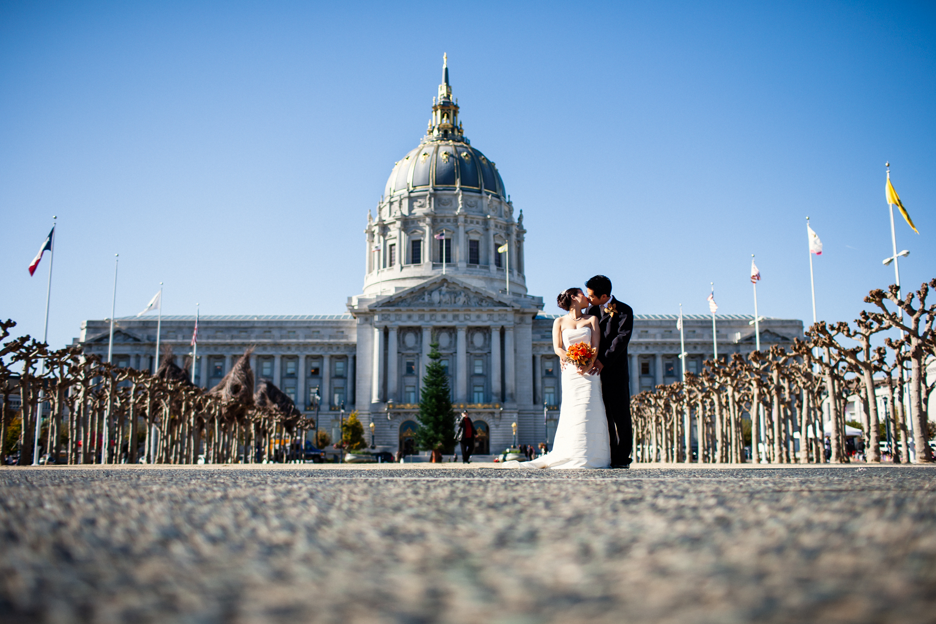 SF, California Civil Elopement Couple Image - Cudowny pocałunek