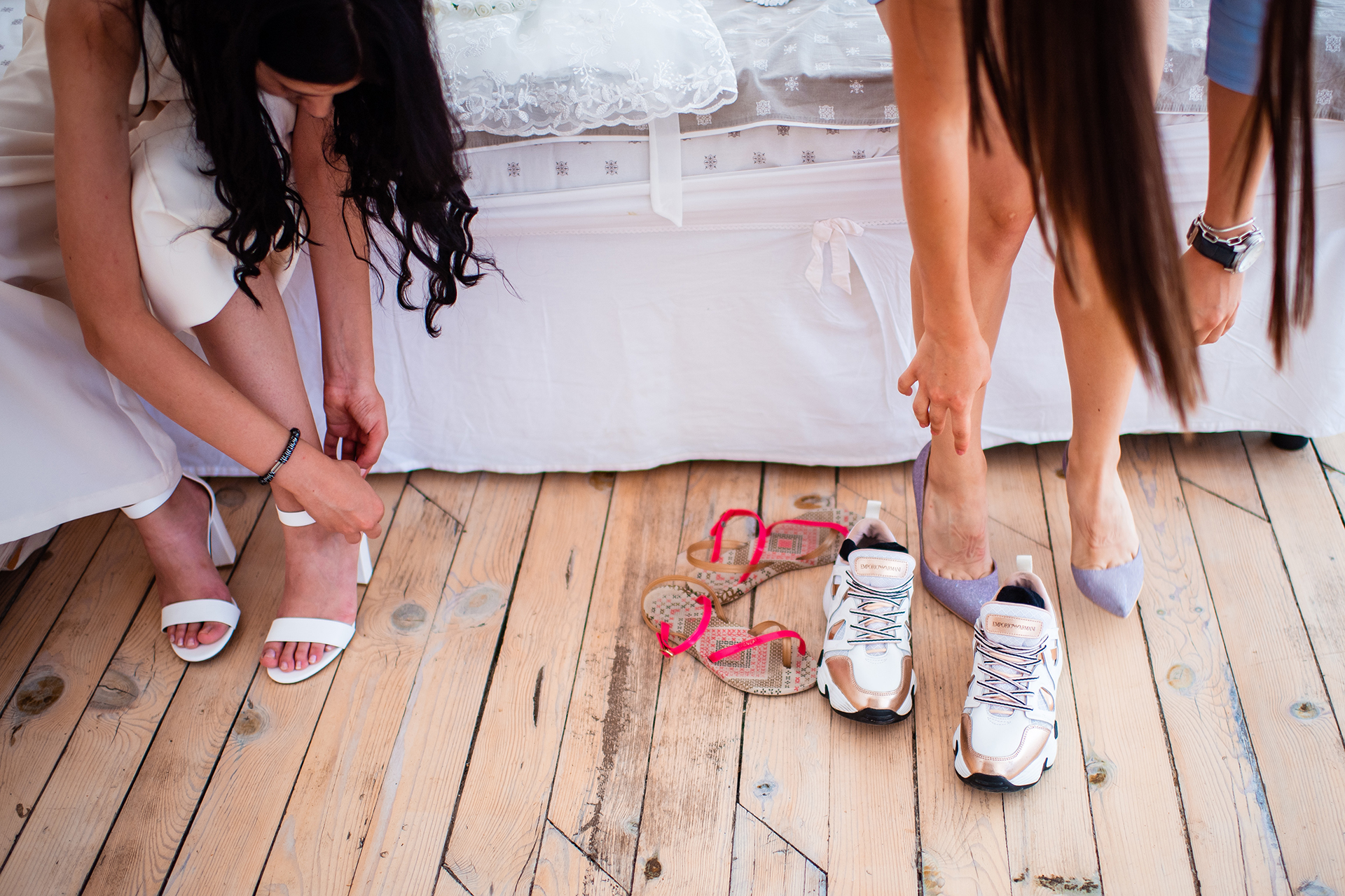 Elopement Pictures from Bulgaria - Guest House Ongal | Bridesmaids are putting on their official shoes