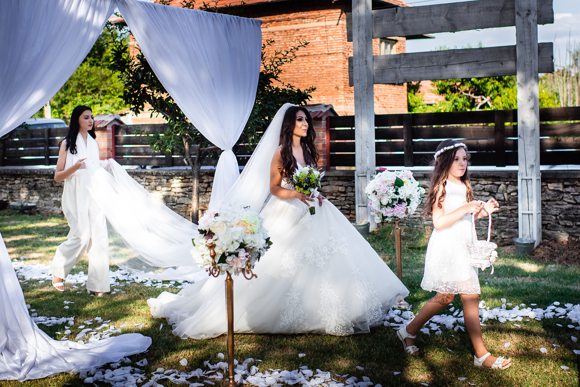 Bulgaria Elopement Photos | The bride comes walking down the aisle