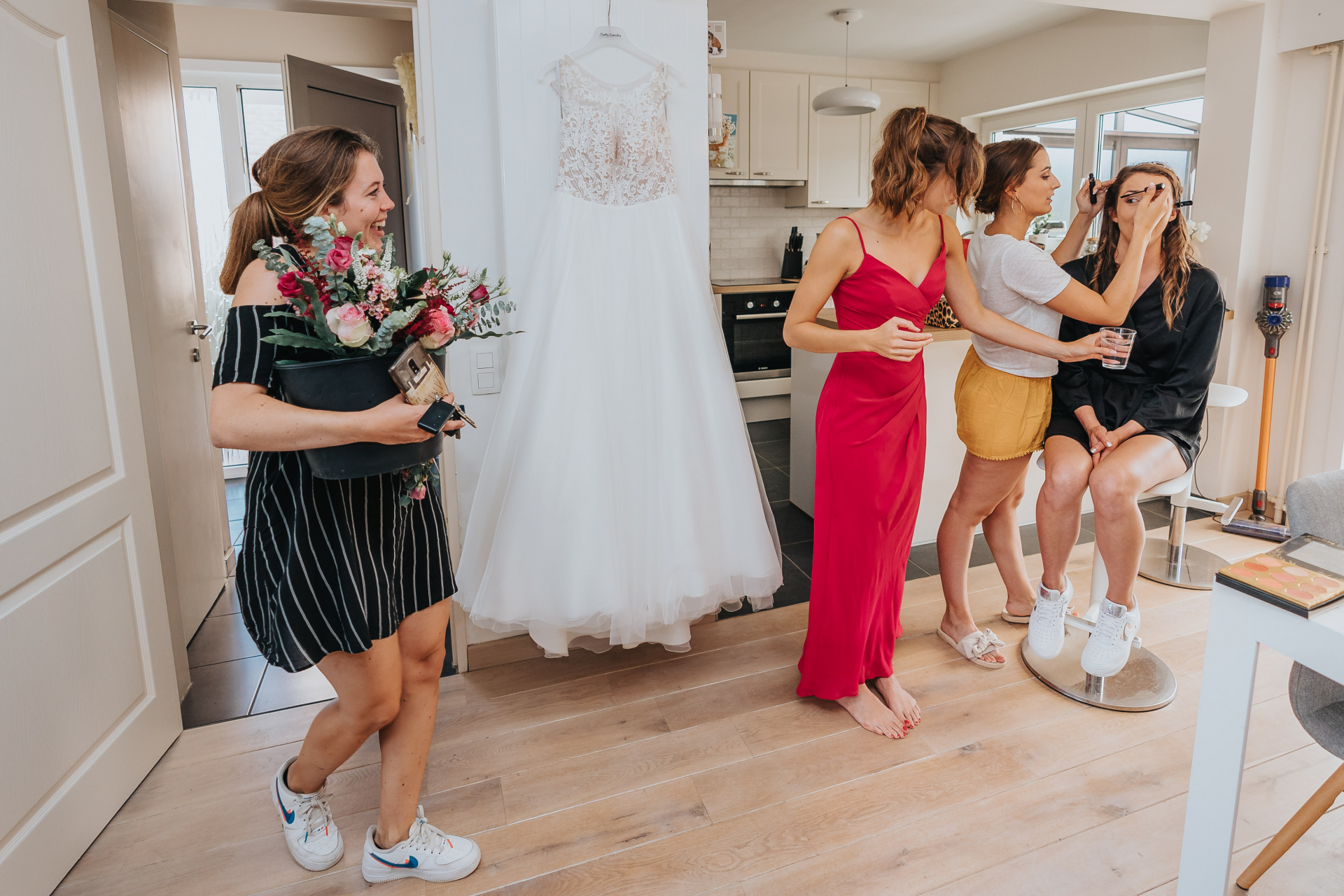 Brides Home - Belgium Covid Elopement Photos | Still and quiet in the house, while the bride is getting prepared