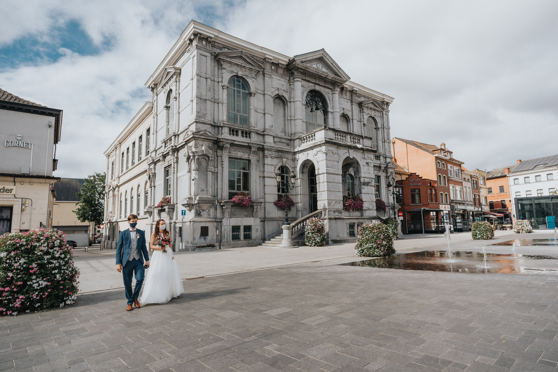 City Hall Vilvoorde, Belgium Elopement Photos | Arriving at the City Hall Vilvoorde where strict regulations are active