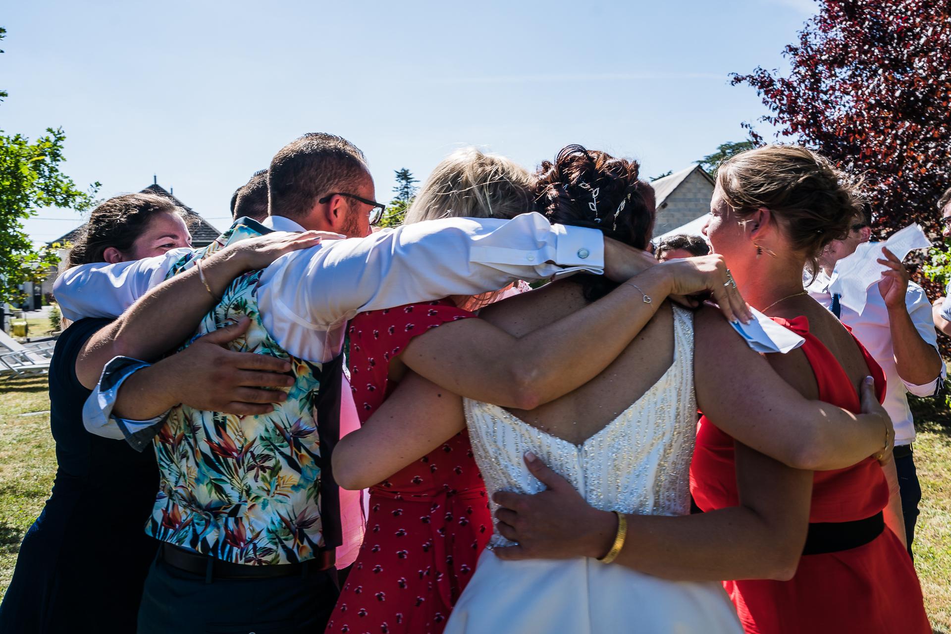 Frankreich Elopement Fotografie mit Familie und Freunden | Ein Wiedersehen mit Freunden