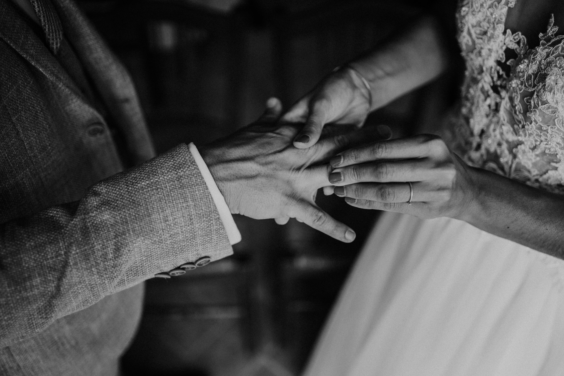 Elopement Photographer at Il Rigo - Agriturismo Il Rigo   A detail of couple's hands with rings