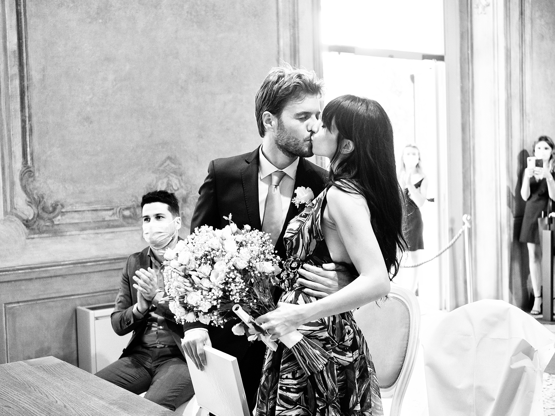 Wedding Picture of Villa Litta Modignani | After the ceremony is complete, the bride and groom begin their marriage with a kiss