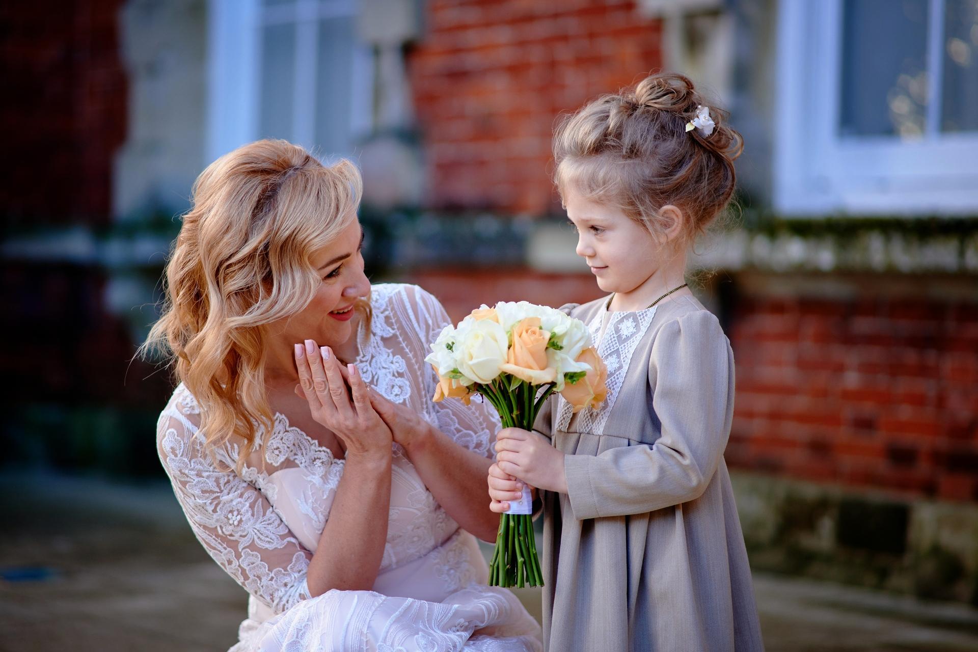 Salisbury schaking fotografie | De dochter van de bruid was erg opgewonden haar moeder te zien