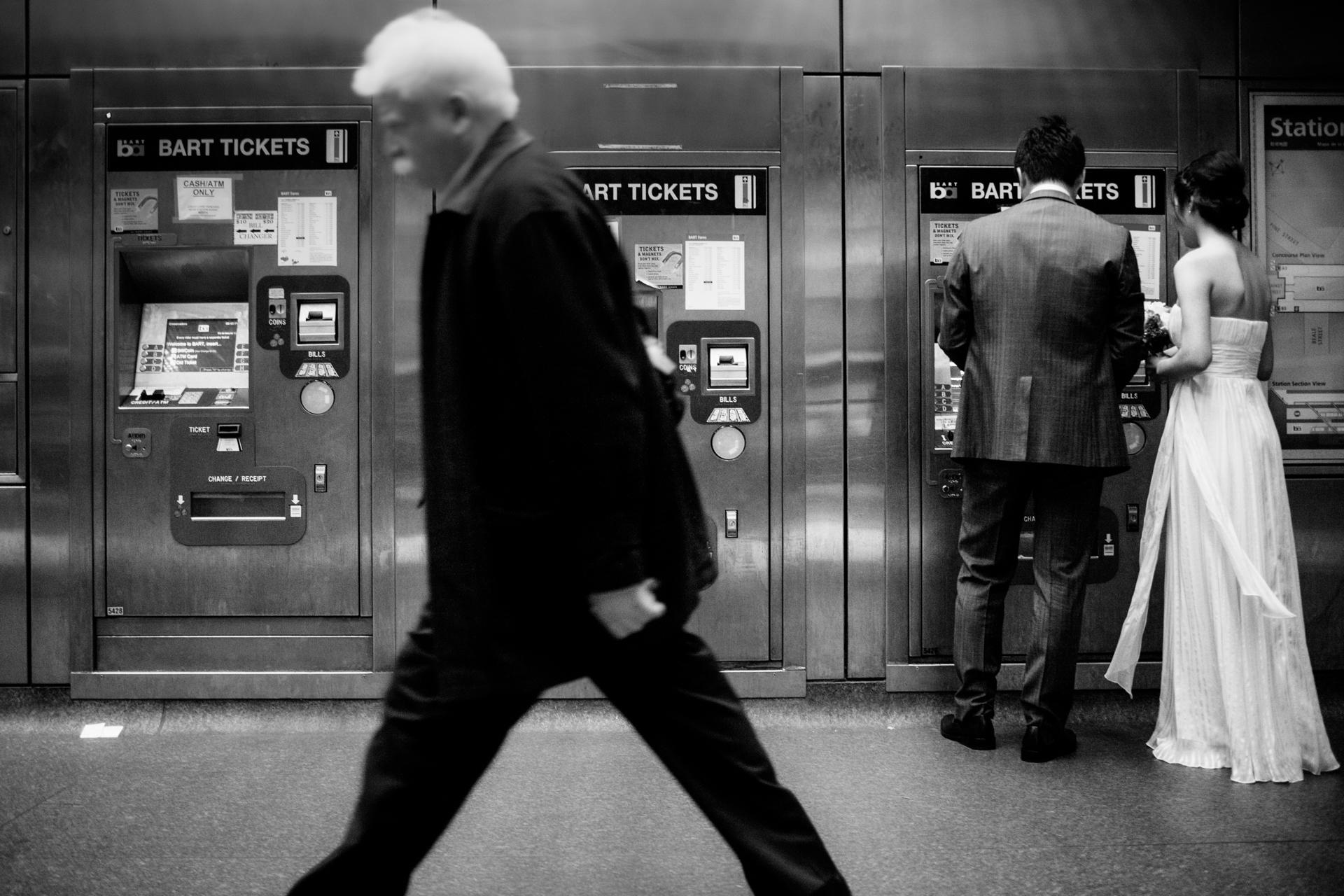 Fuga d'amore a San Francisco | Ottenere i biglietti alla stazione di transito
