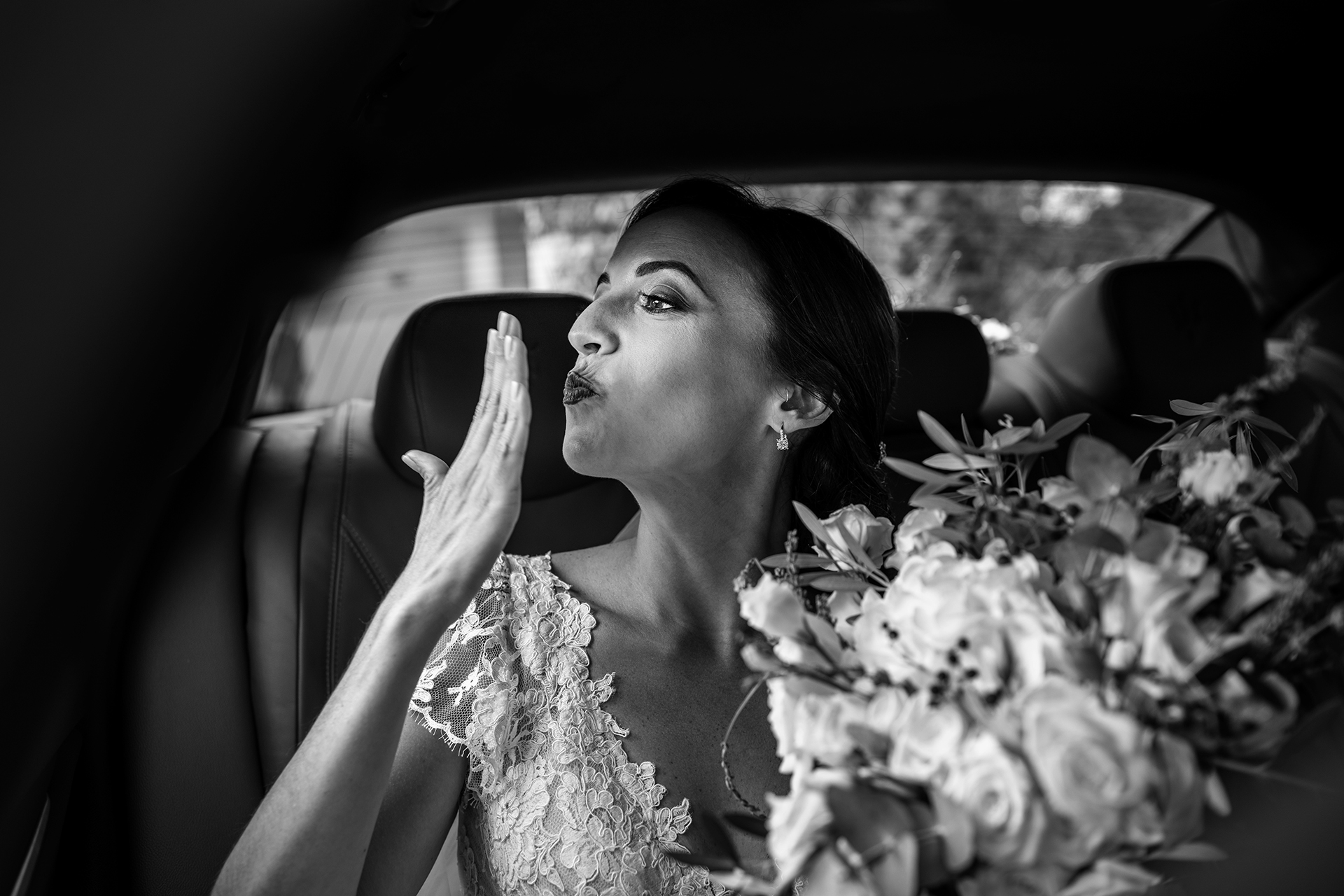 Best wedding photographers in Sicily | Before departing for her wedding ceremony,