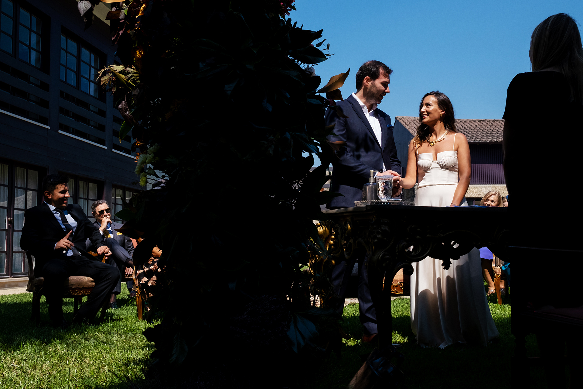 Best Portugal Wedding Photographers | the bride and groom wait for their ceremony to begin