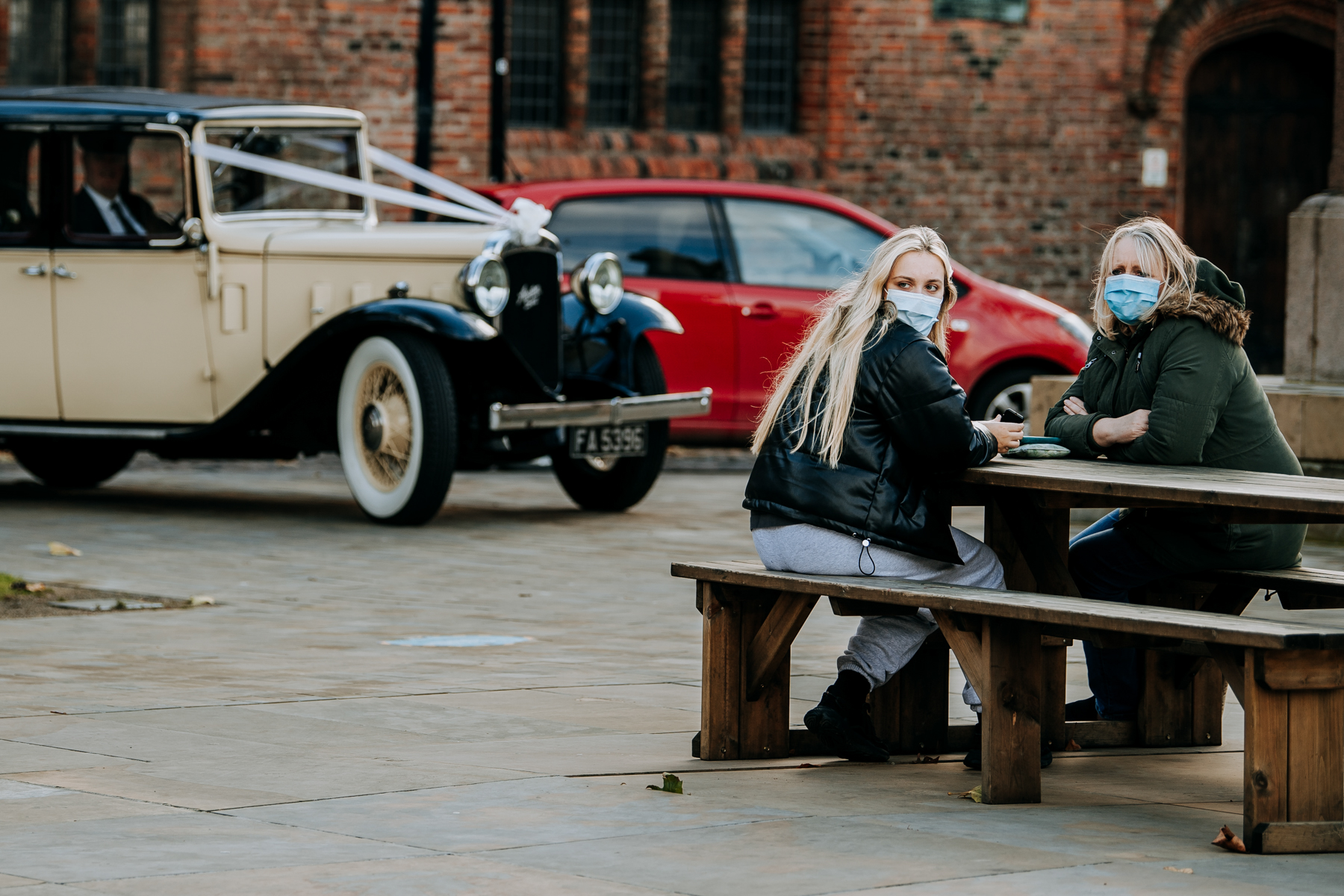 Hull Minster Wedding Photography - East Yorkshire | the bride, arrives to the church ceremony by vintage car