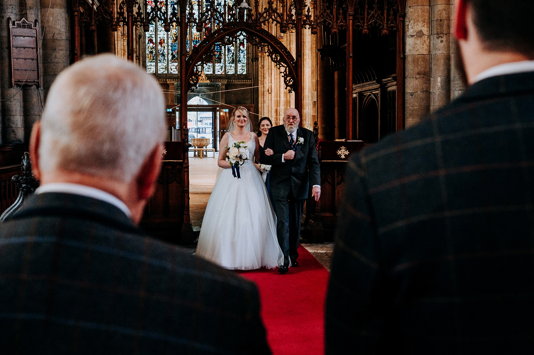 Hull Minster Bride/Dad Wedding Image | The bride and her father enter the church