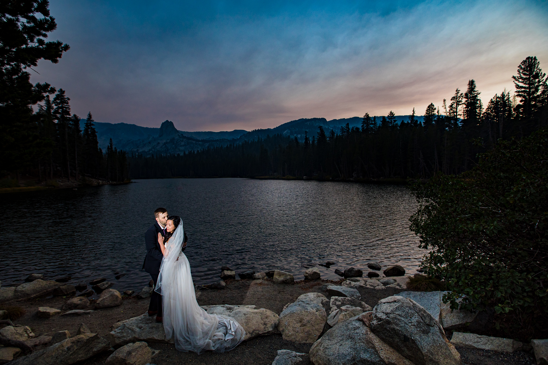 Mammoth Lakes Airbnb Vacation Home Wedding Pix | At sunset, the bride and groom snuck away for an intimate and romantic portrait session