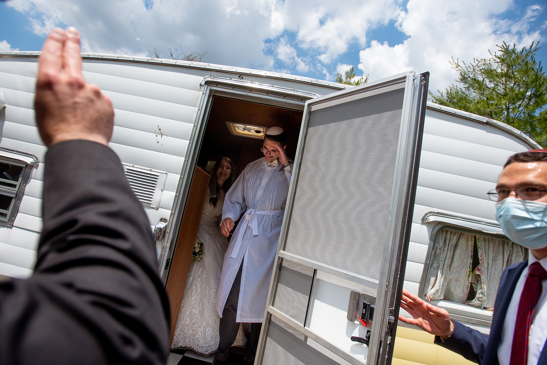 Pittsburgh Wedding Photography | a vintage camper for their yichud