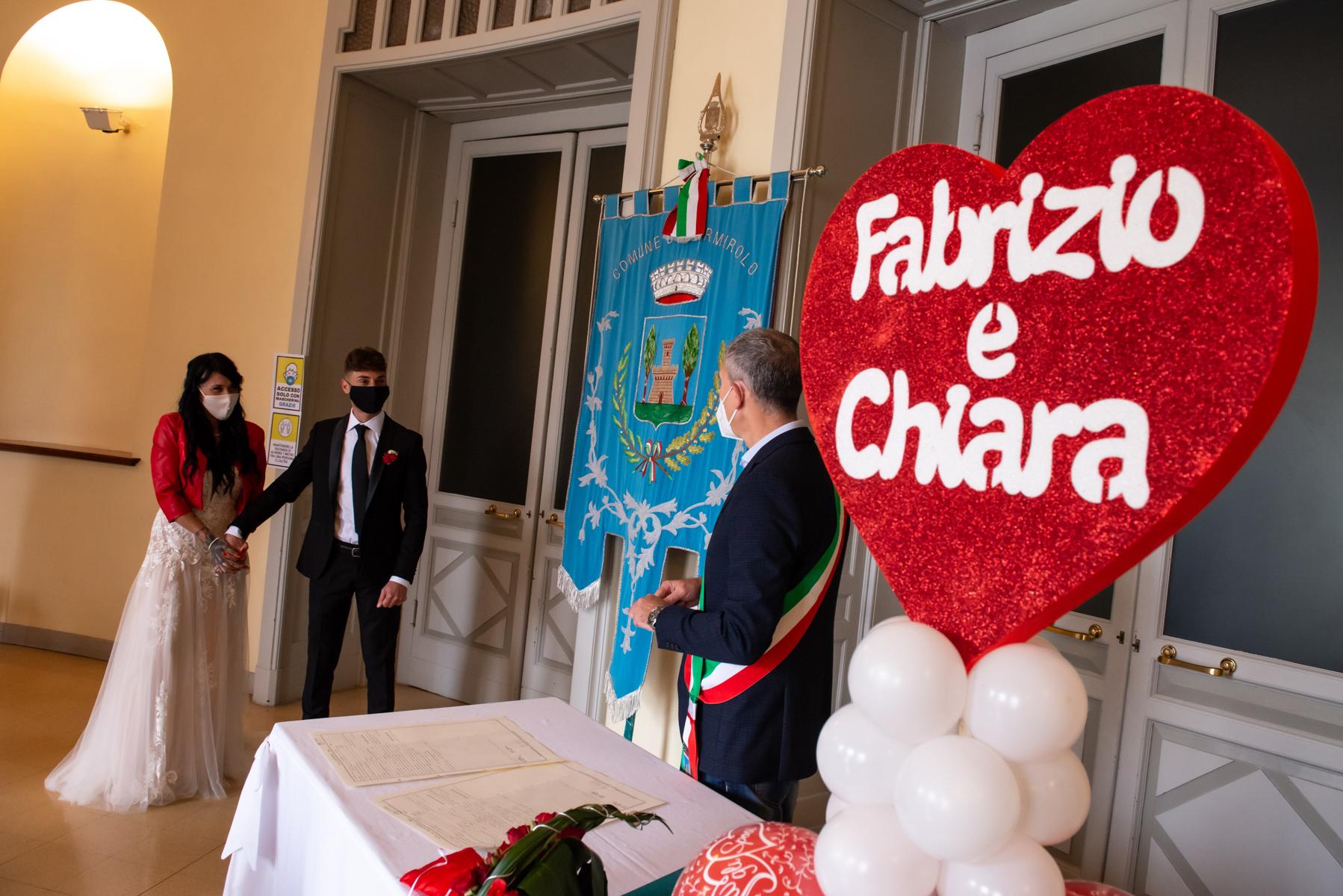 Mantova Hochzeitsfotografen von Italien | Der Bürgermeister gratuliert dem Paar zur Zeremonie