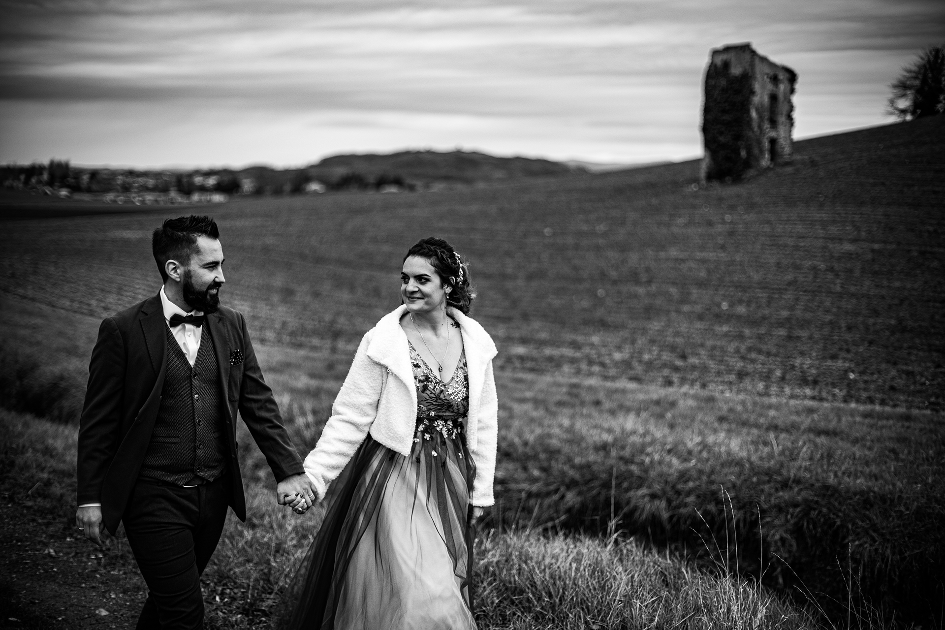 Puy de Dôme Wedding Portraits | The French countryside sets the stage for this romantic stroll