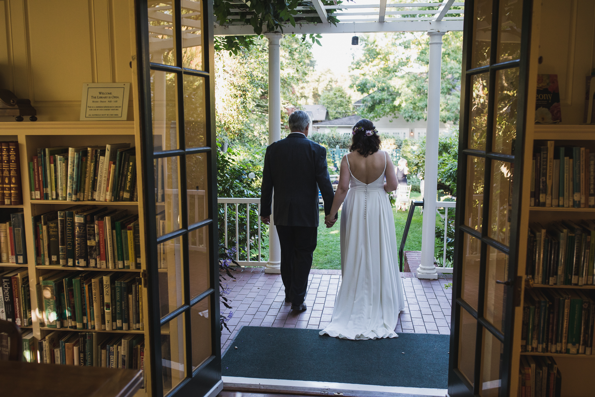 Elizabeth Gamble Garden Wedding Photographer | The bride was walked into the ceremony by her Dad