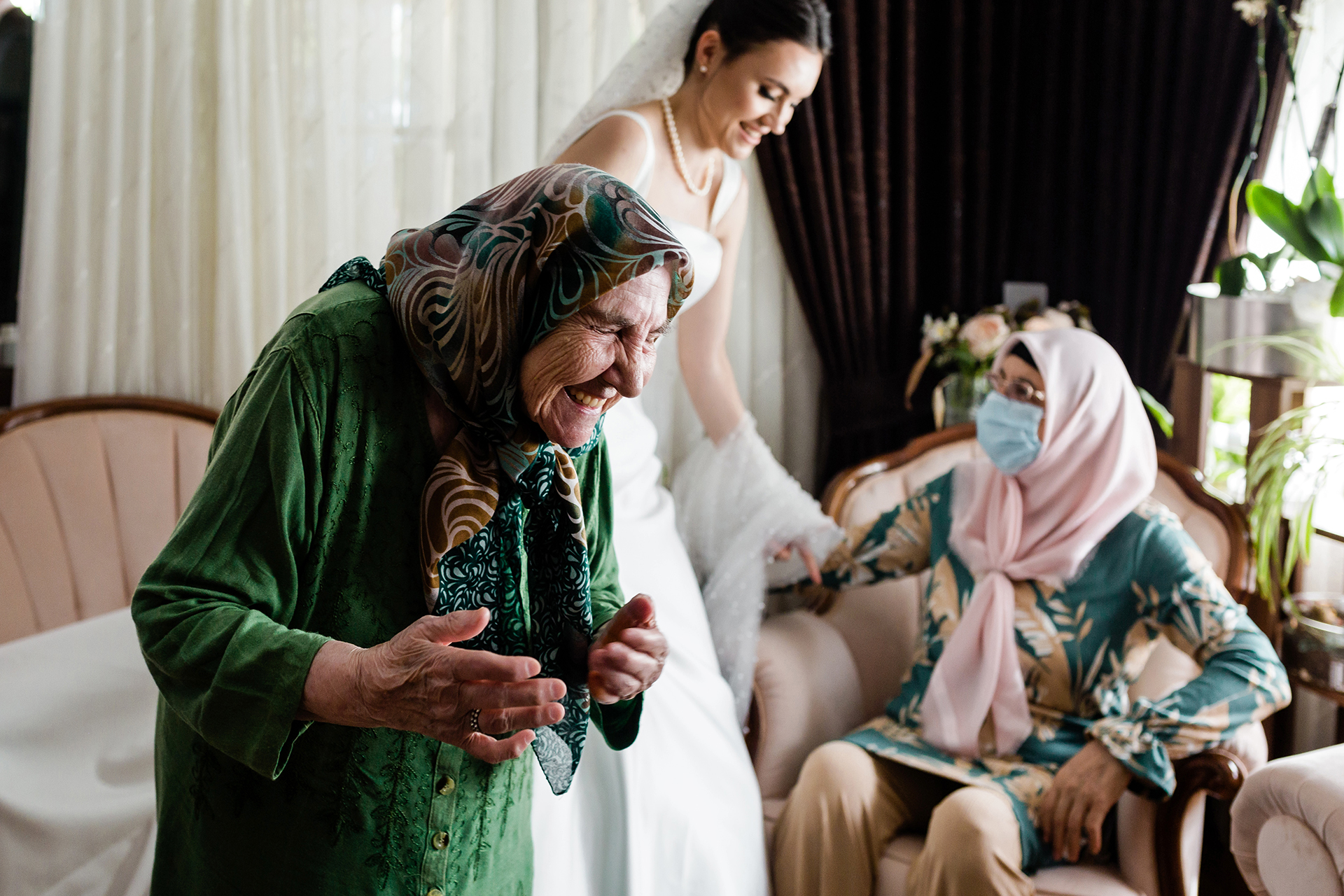 Wedding Photographers for Istanbul, Turkey | the bride's grandma is sharing her memories