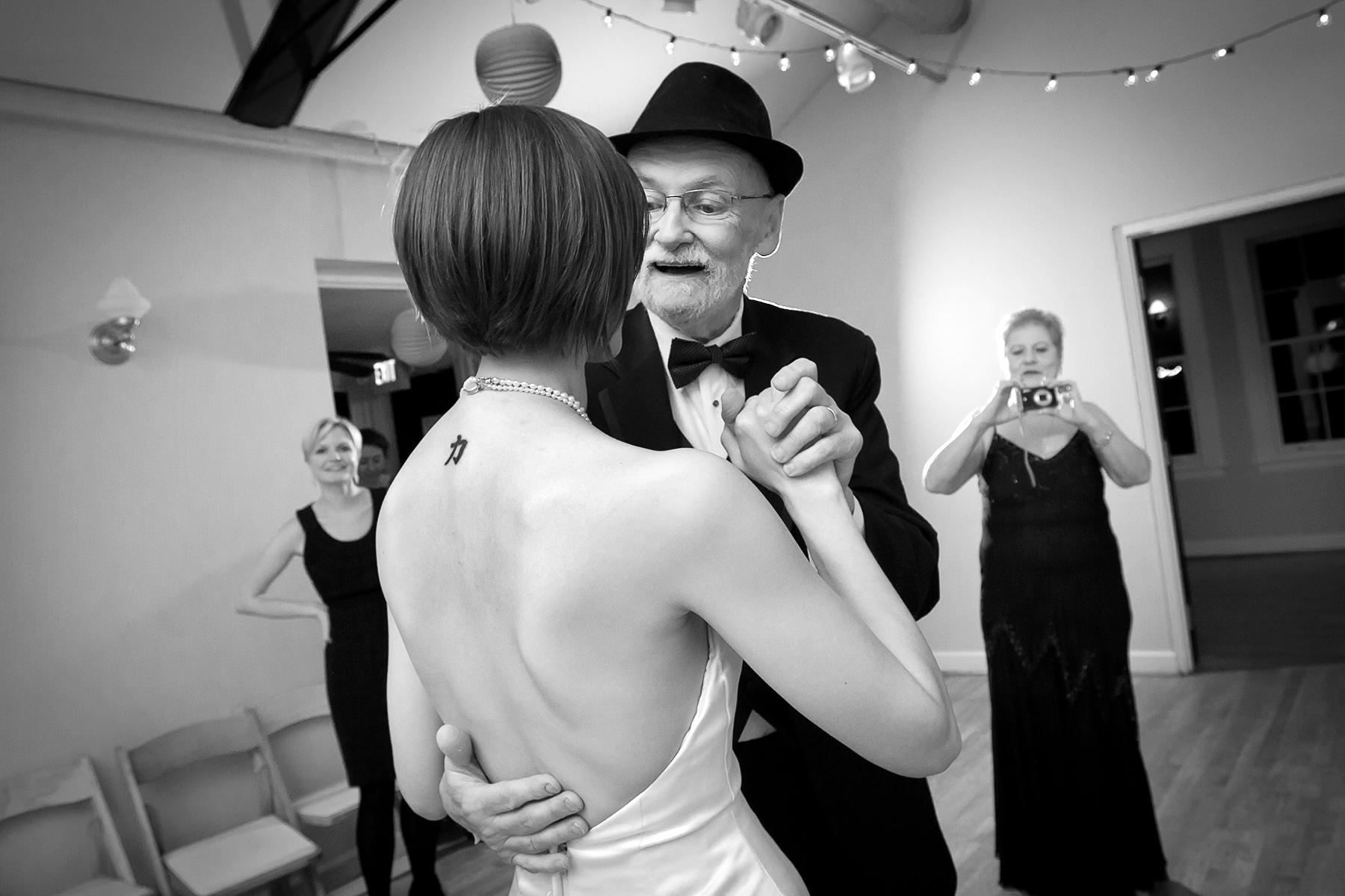 Solarium - Lieu de mariage historique - Decatur, GA Photos | les danses finales de la soirée,