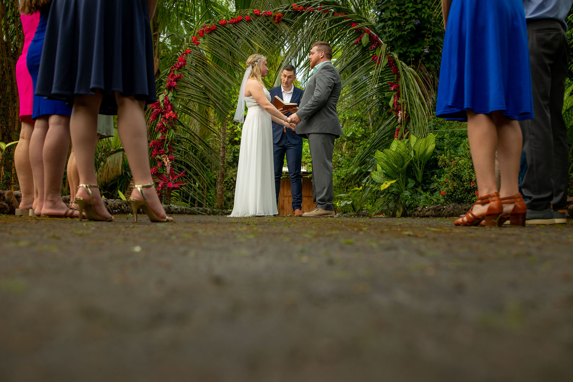 Montaña, Costa Rica Elopement Ceremony Photography | The ceremony took place at a private villa