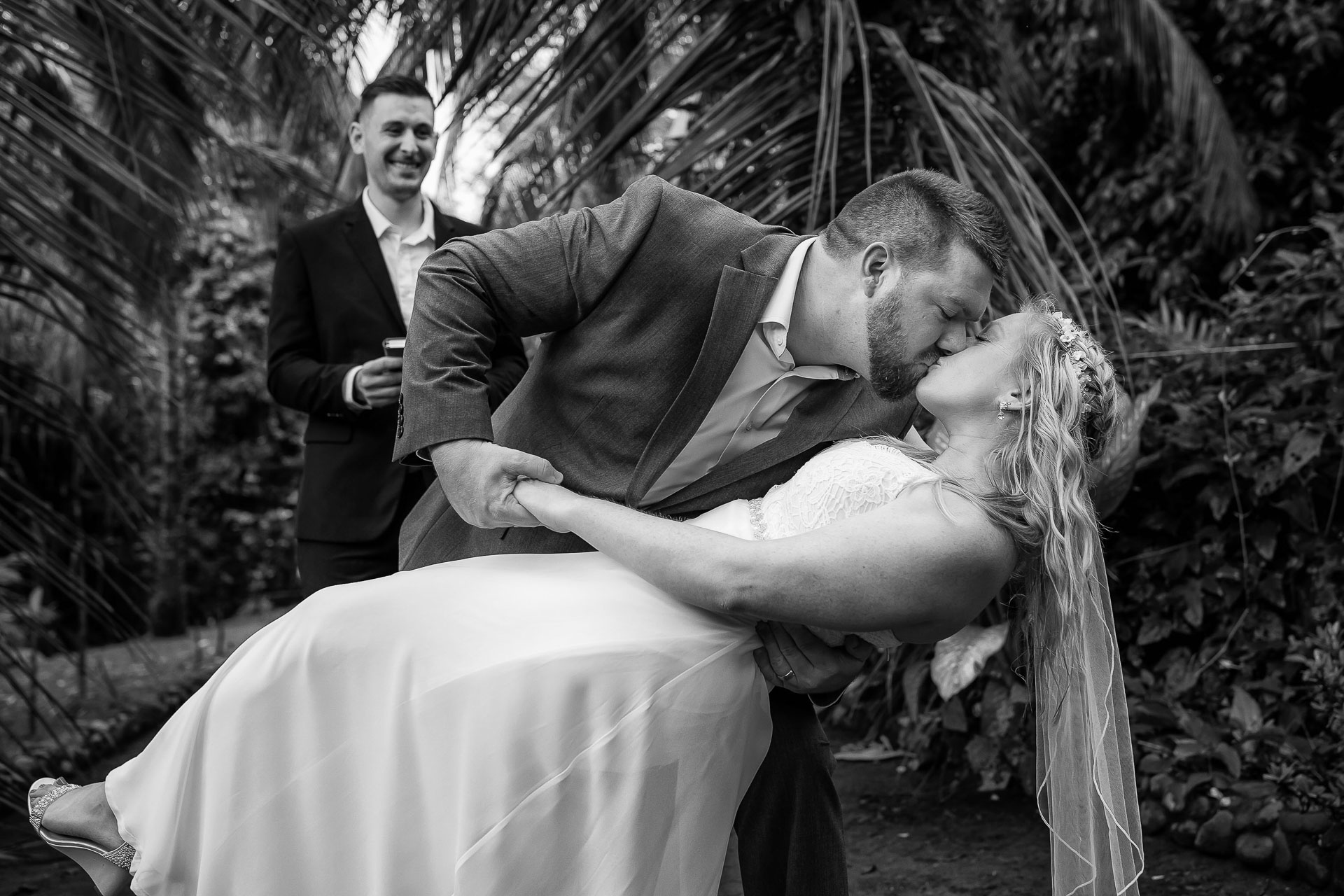 Costa Rica Elopement Ceremony Image from Outside | the first kiss