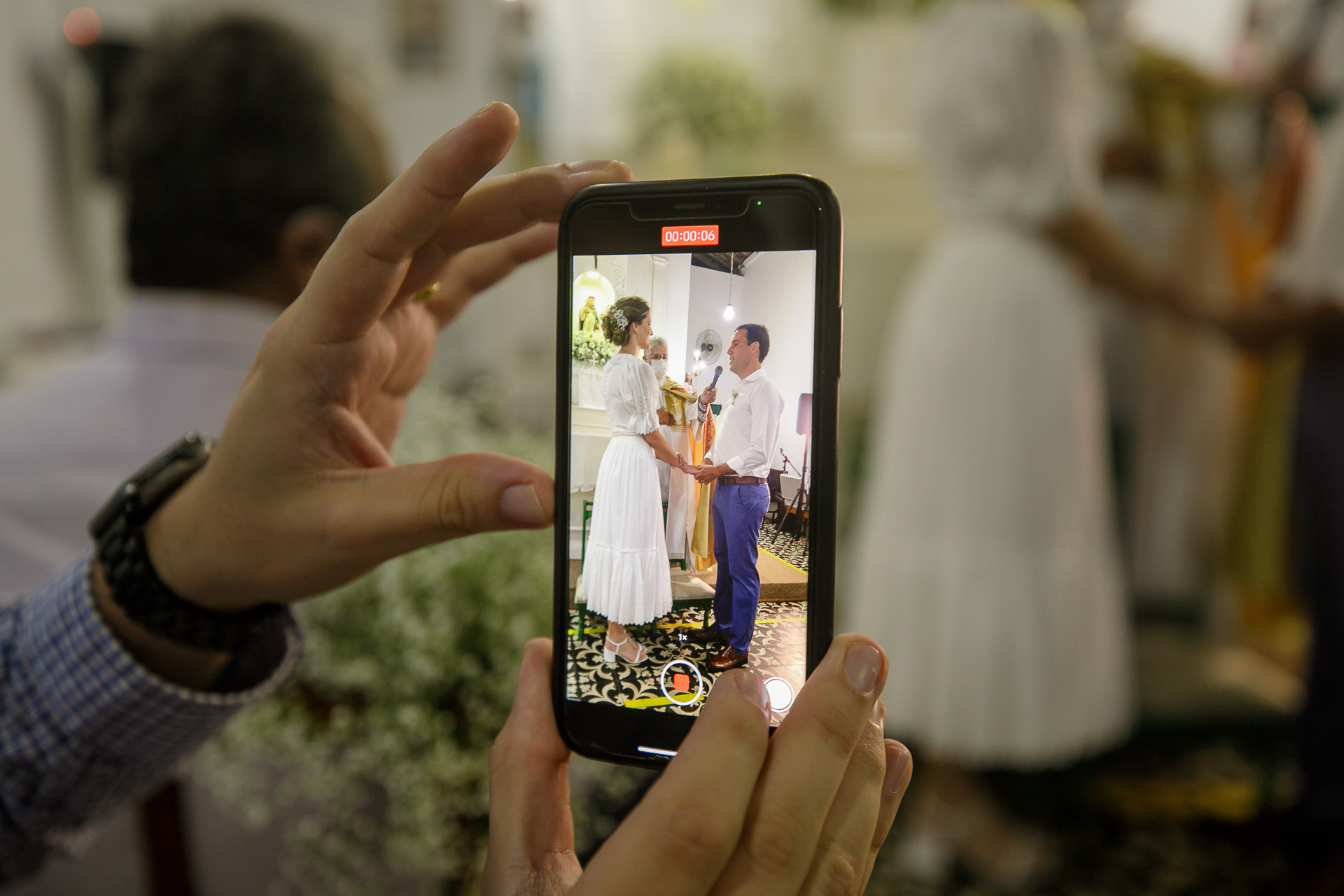 São Gonçalo Church Wedding Ceremony Image in Maceio | Video shot of the couple holding hands and reciting their vows
