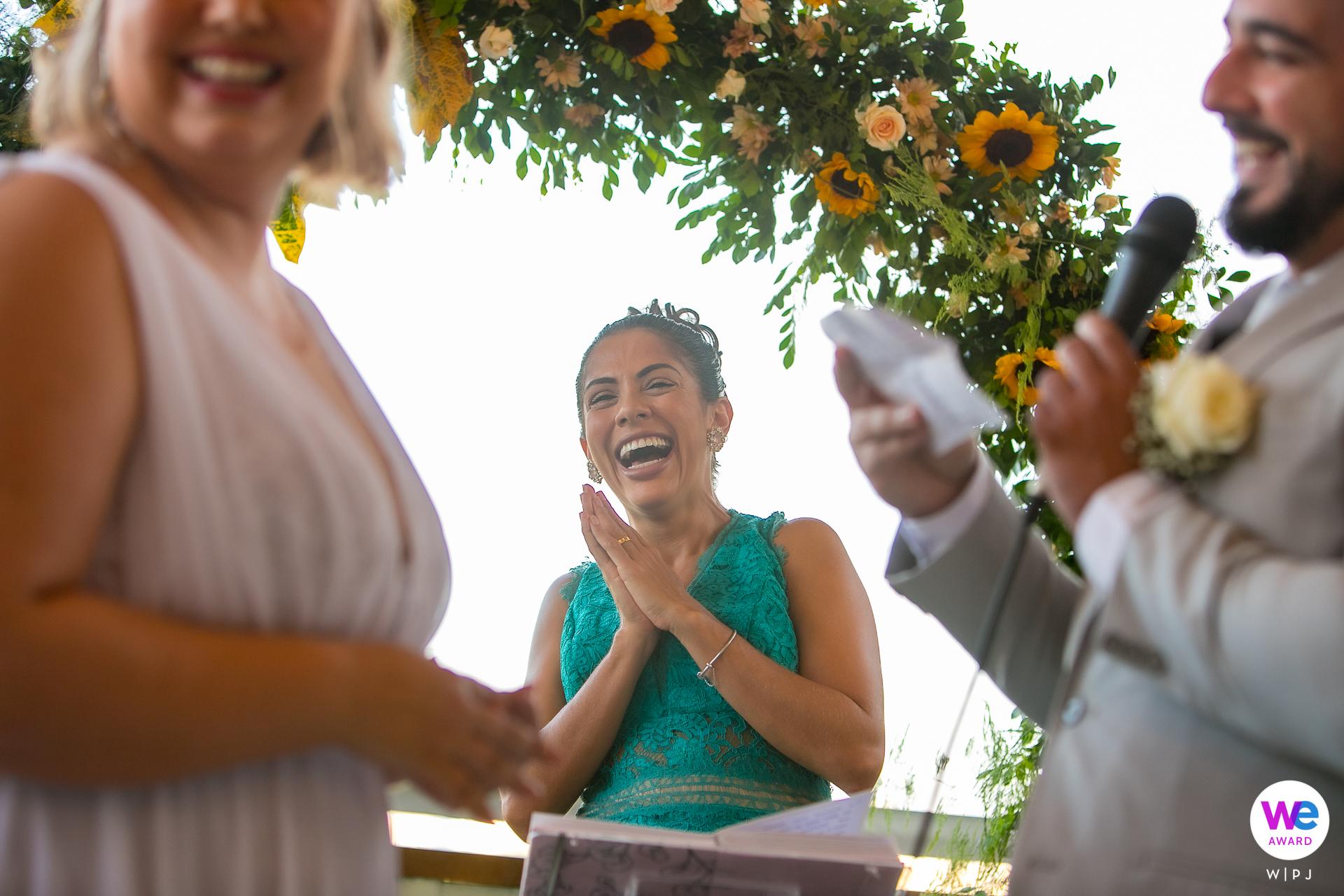 Café Manollo Maceió Photographie de mariage | Le marié incorpore une touche d'humour dans ses vœux