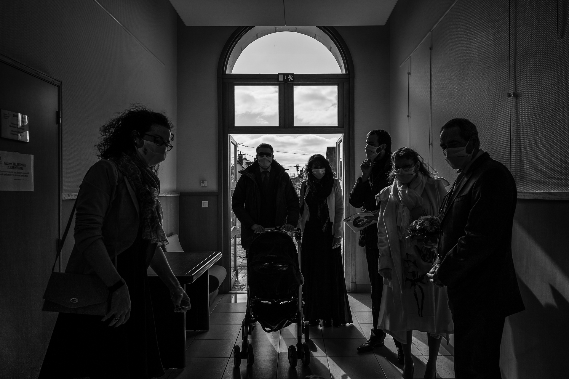BW Wedding Photography from Saint Laurent Nouan Town Hall | Guests with masks waited in silence before the couple arrived