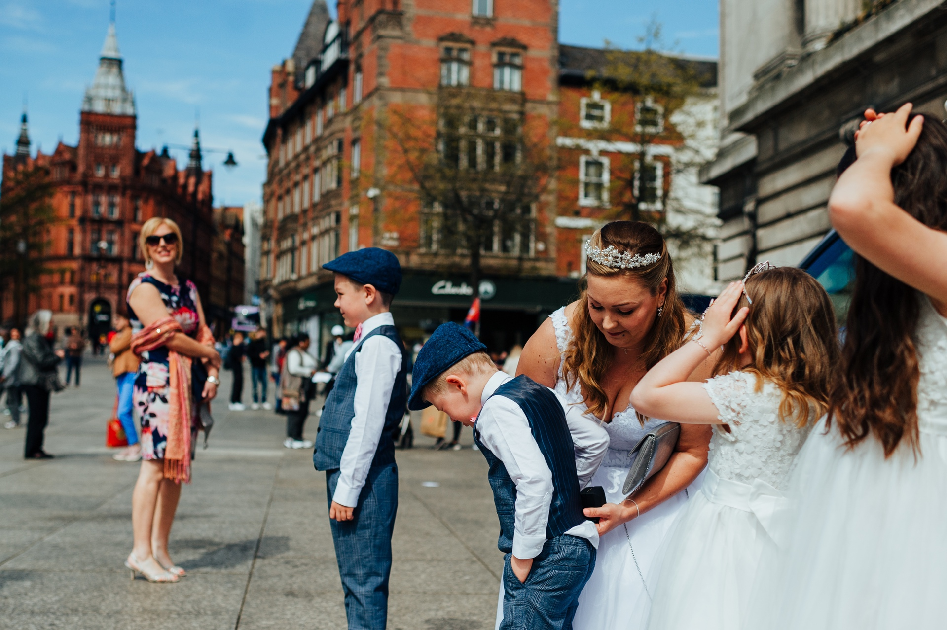 Nottingham Council House - UK Wedding Reportage Photographer | you never stop being a mom, even when you are the bride