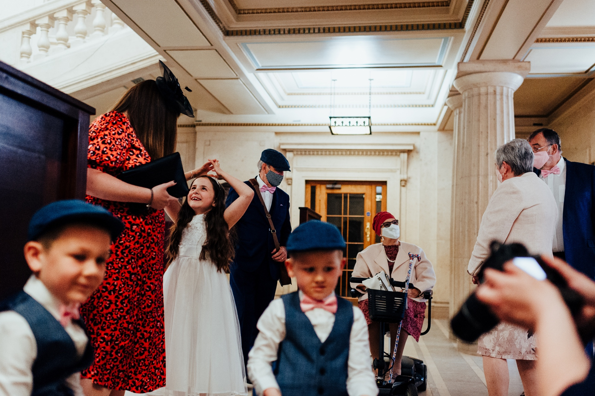 Council House, Nottingham Wedding Images | The family waits to be called upstairs for the ceremony