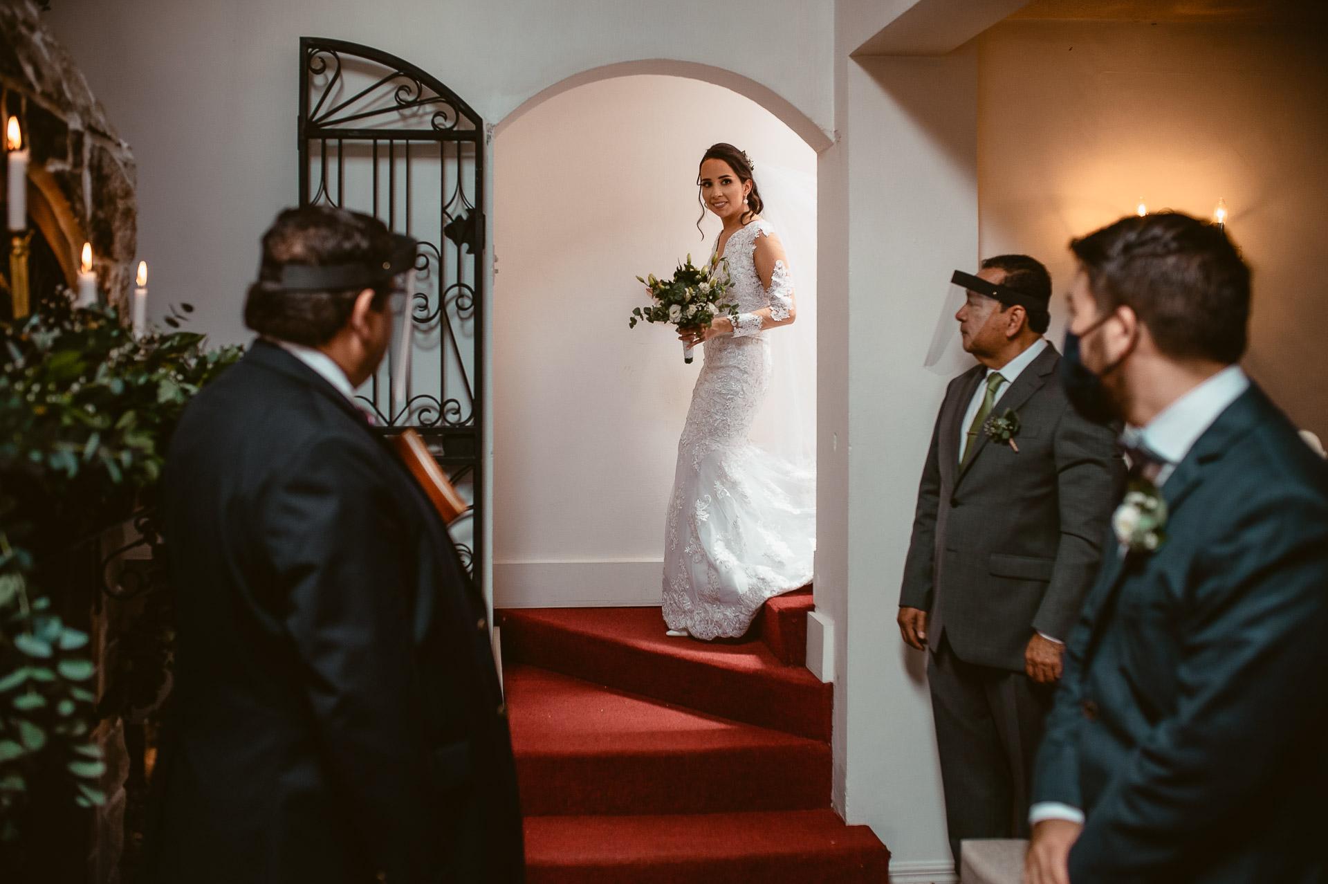 Photographe de mariage à San Isidro de Heredia, Costa Rica | Voir la mariée dans sa robe de mariée pour la première fois