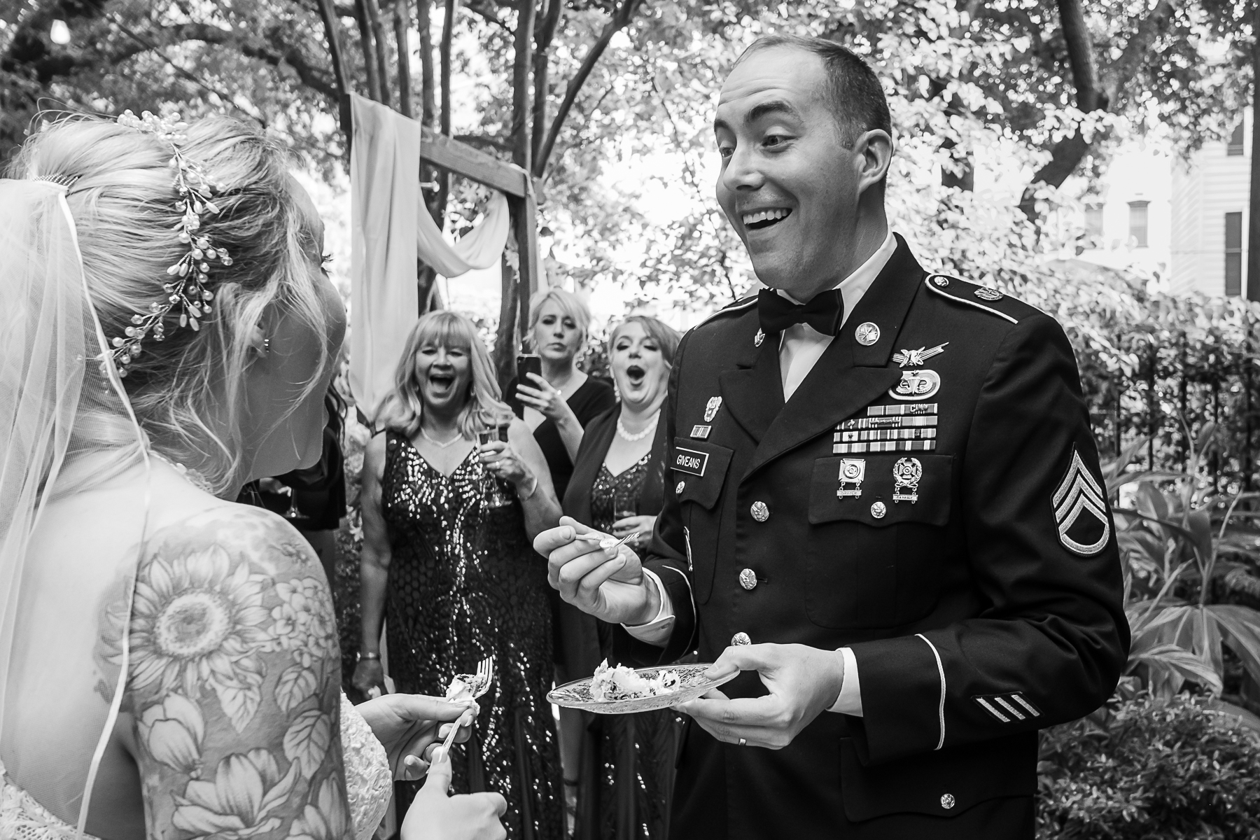 Wedding Photo Gallery from Savannah, Georgia | Everyone reacts to the cake accident