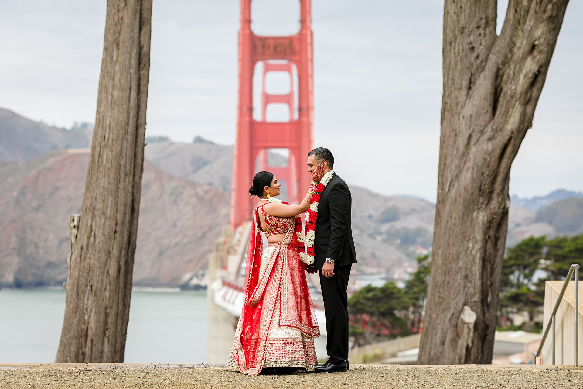 Golden Gate Overlook Wedding Images | Couple Standing in front of the Golden Gate Bridge