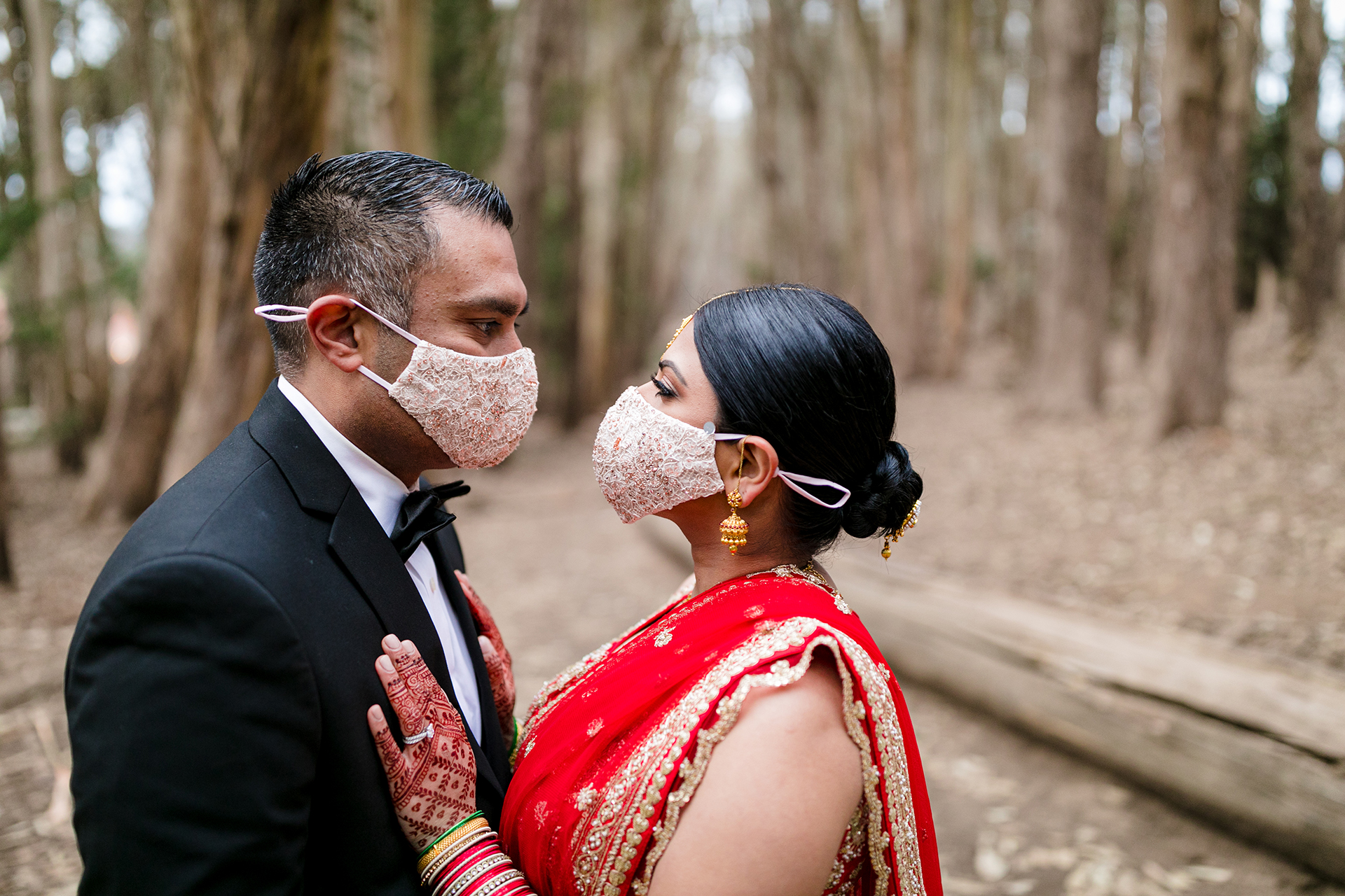 Golden Gate Overlook - Presidio Wedding Photographer | Pandemic love meant that face masks were required