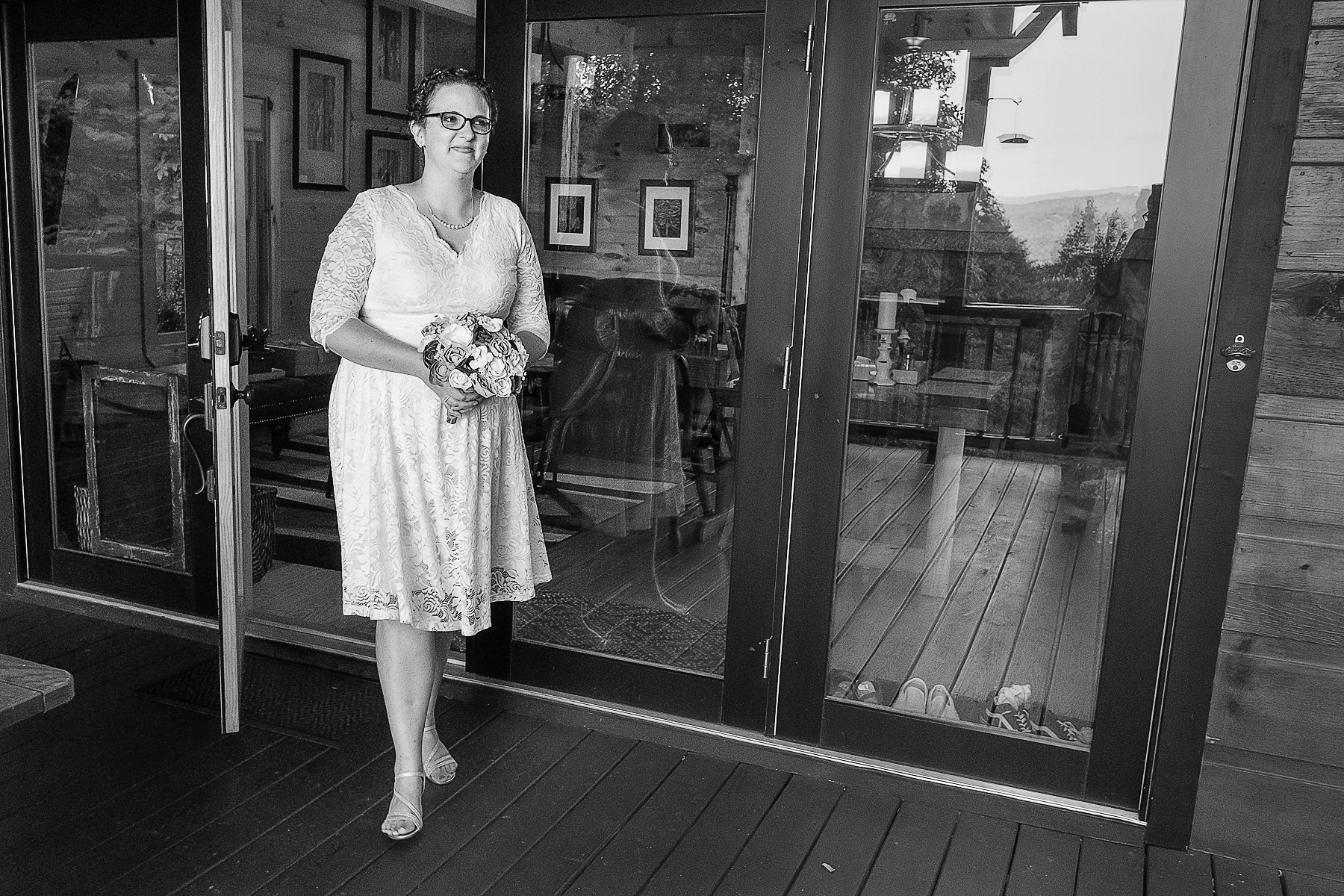Mineral Bluff, Georgia Wedding Photography | the bride walks down the aisle from the cabin door