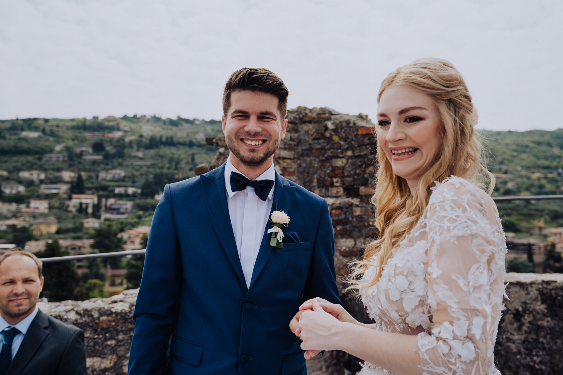 Torri del Benaco Castle Tower Wedding Pictures   the most beautiful part of the ceremony was not the backdrop