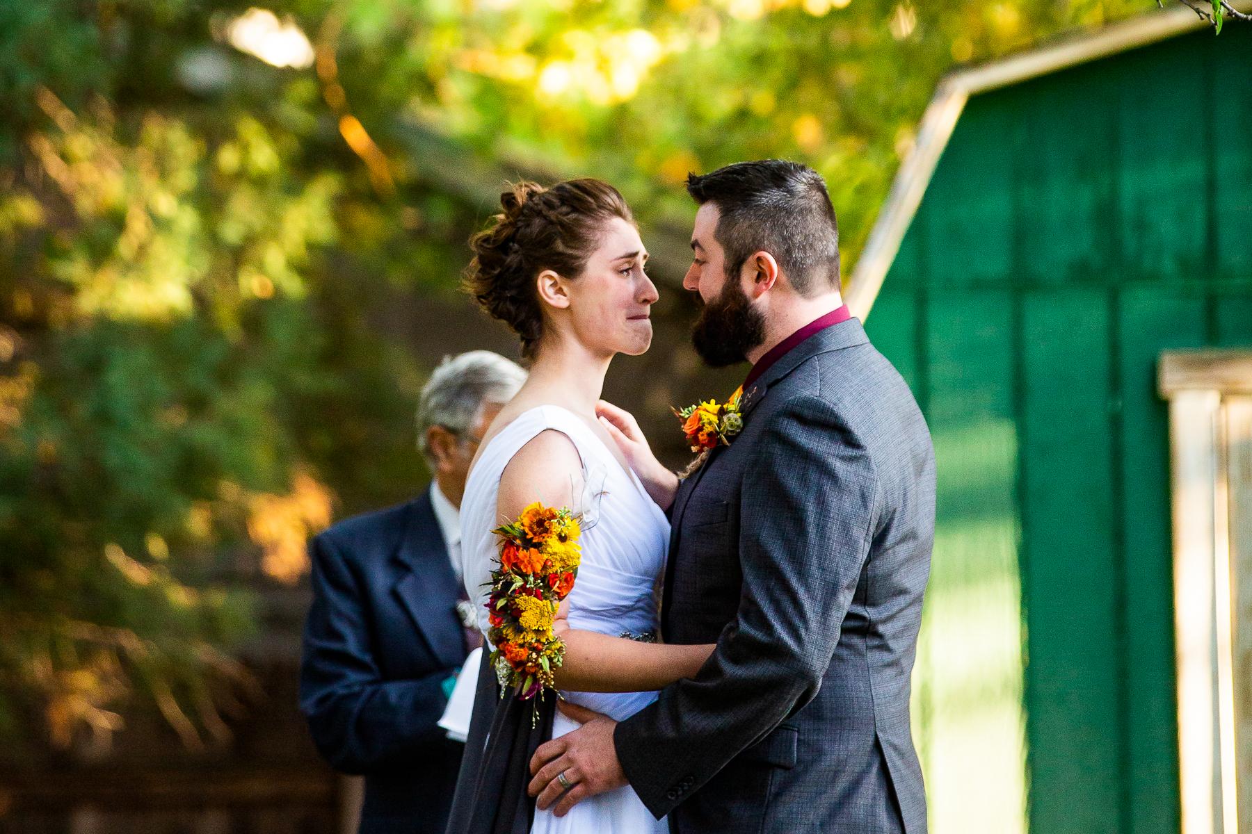 Outdoor-Hochzeitsfotografen in Colorado | Der Moment direkt nach dem ersten Kuss