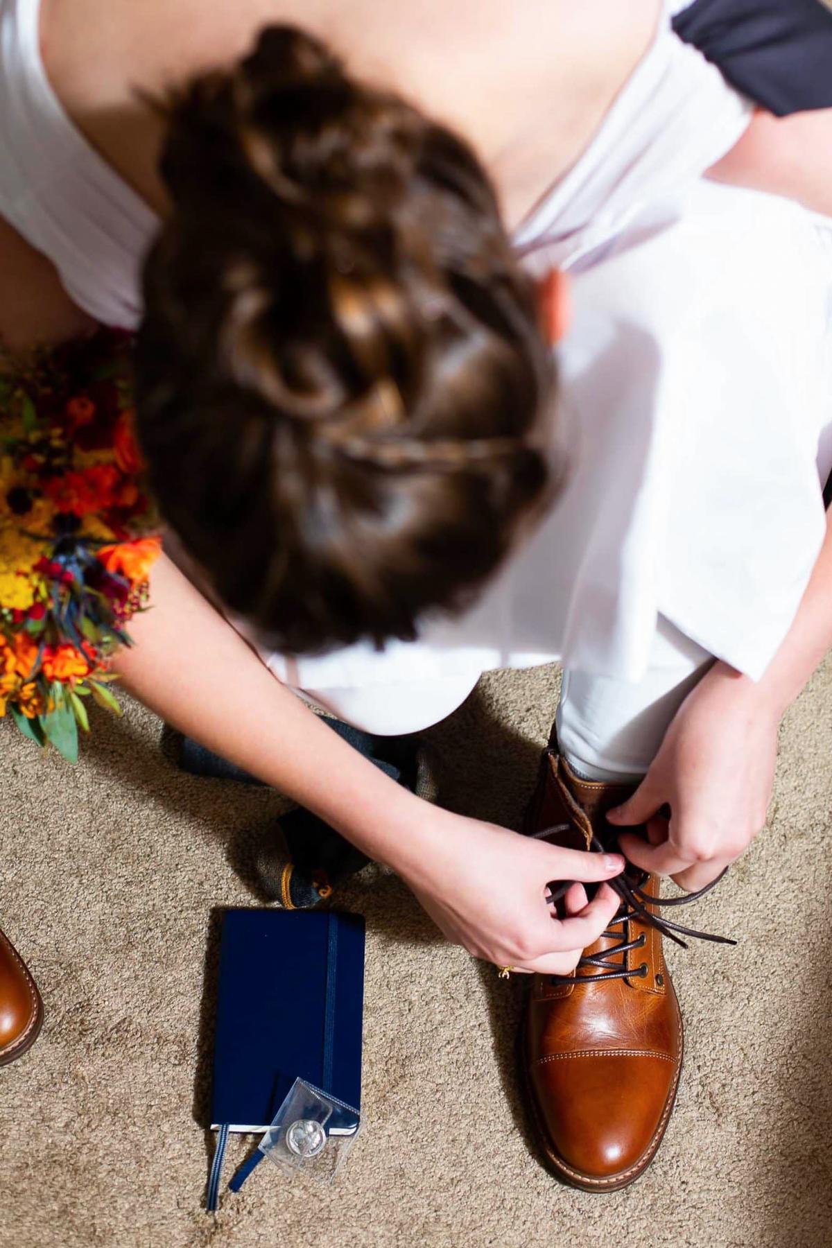 Top Boulder, CO Hochzeitsfotograf | Die Lederkampfstiefel der Braut
