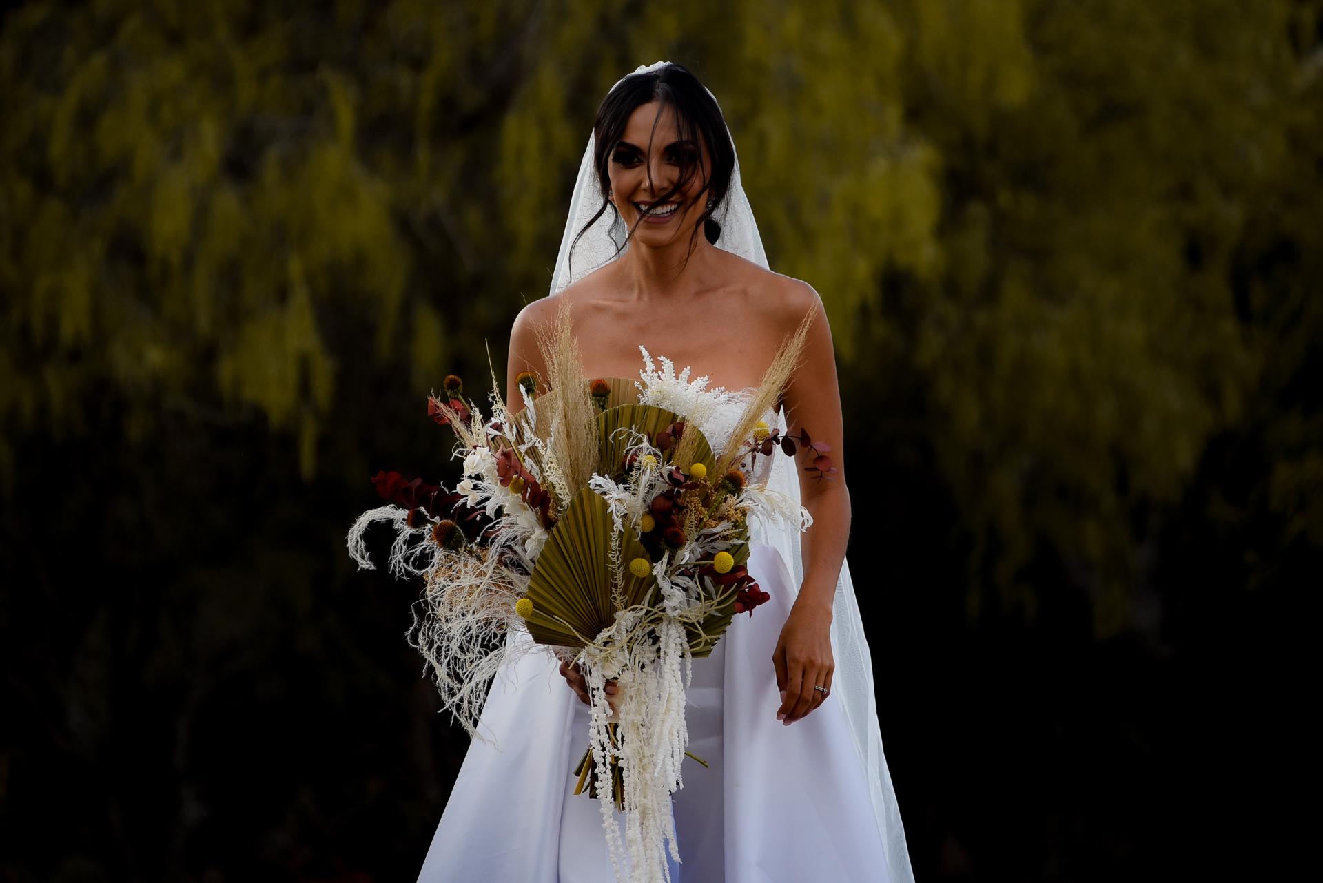 Photographe de mariage à San Miguel de Allende | la mariée voit son époux pour la première fois lors de la cérémonie en plein air