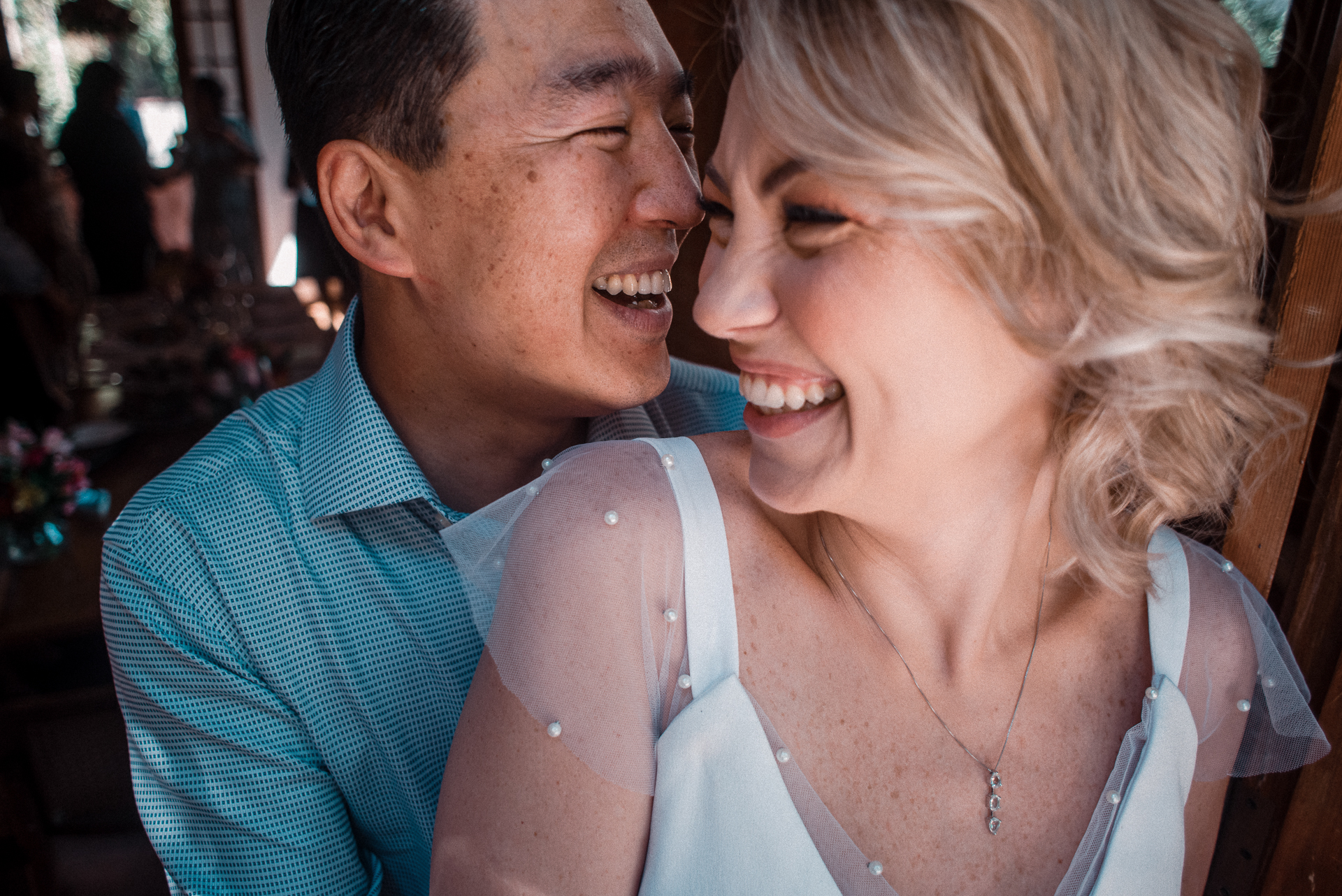 Wedding Couple Portrait Session in São Paulo, Brazil | The joy of a newly wed couple