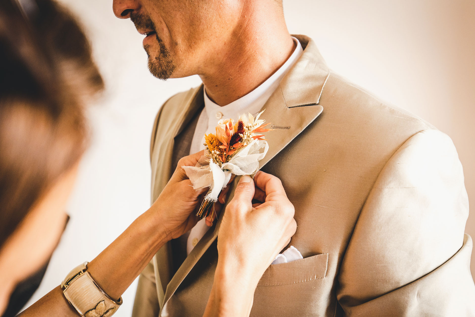 Venice Photographer for Weddings in Italy | The groom has his boutonniere fastened