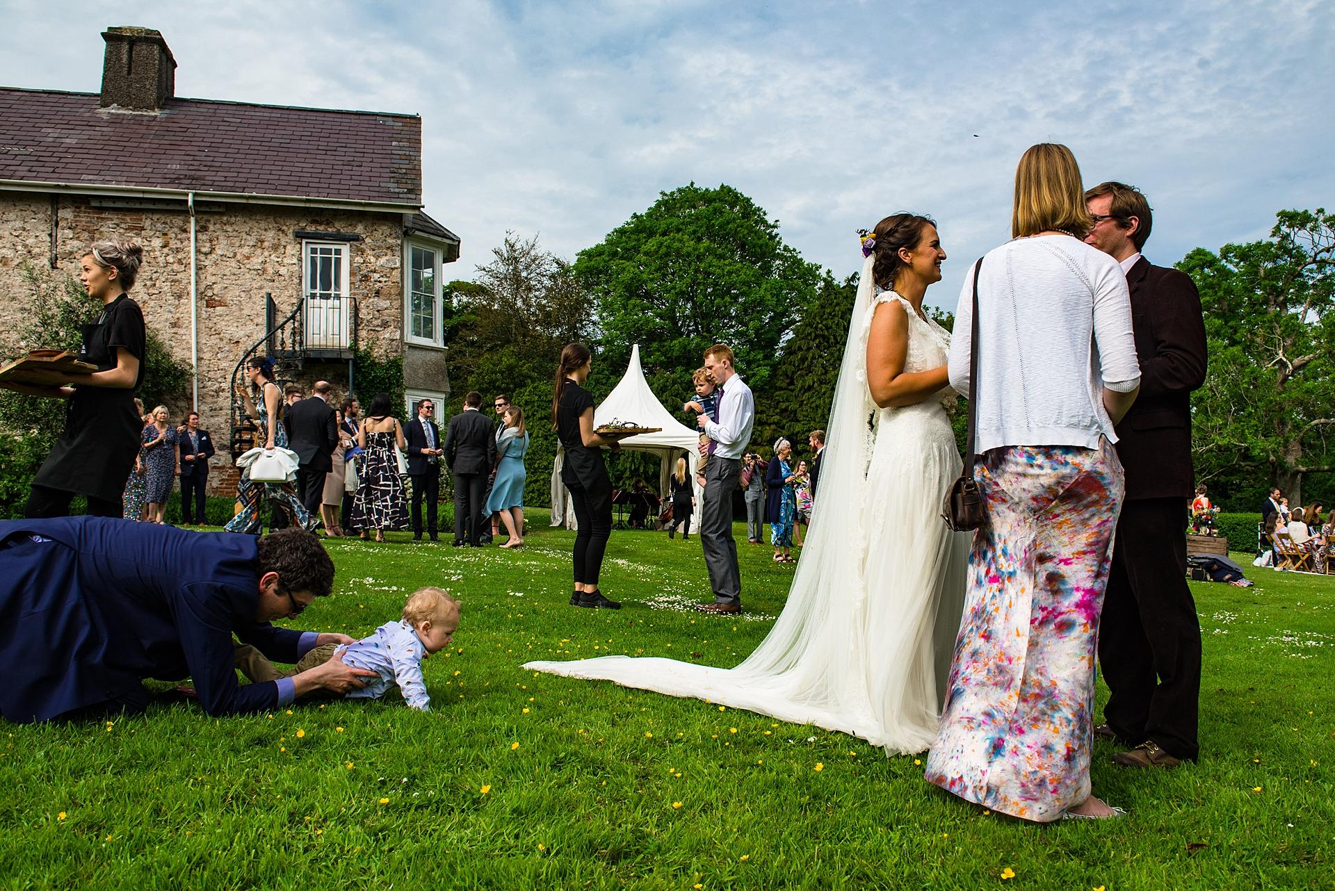 Jonny Barratt, del Gloucestershire, è un fotografo di matrimoni per Penmaen House, Galles