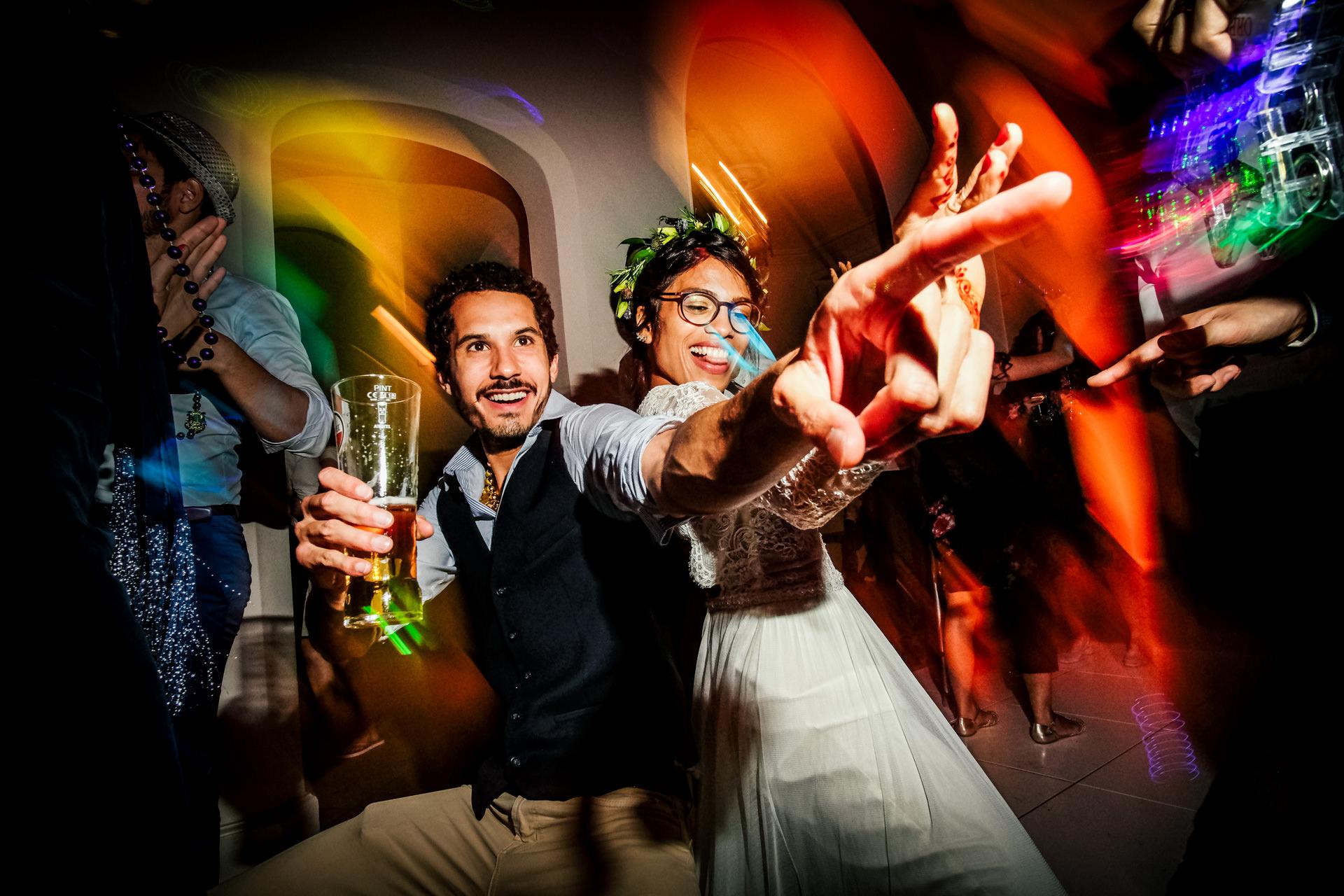 斯塔福德郡的Andrew Billington是Shropshire的Iscoyd Park的婚禮攝影師。