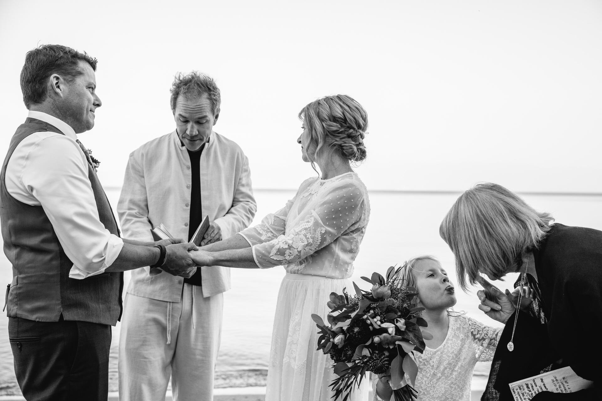 Nicky Byrnes, de Californie, est un photographe de mariage pour